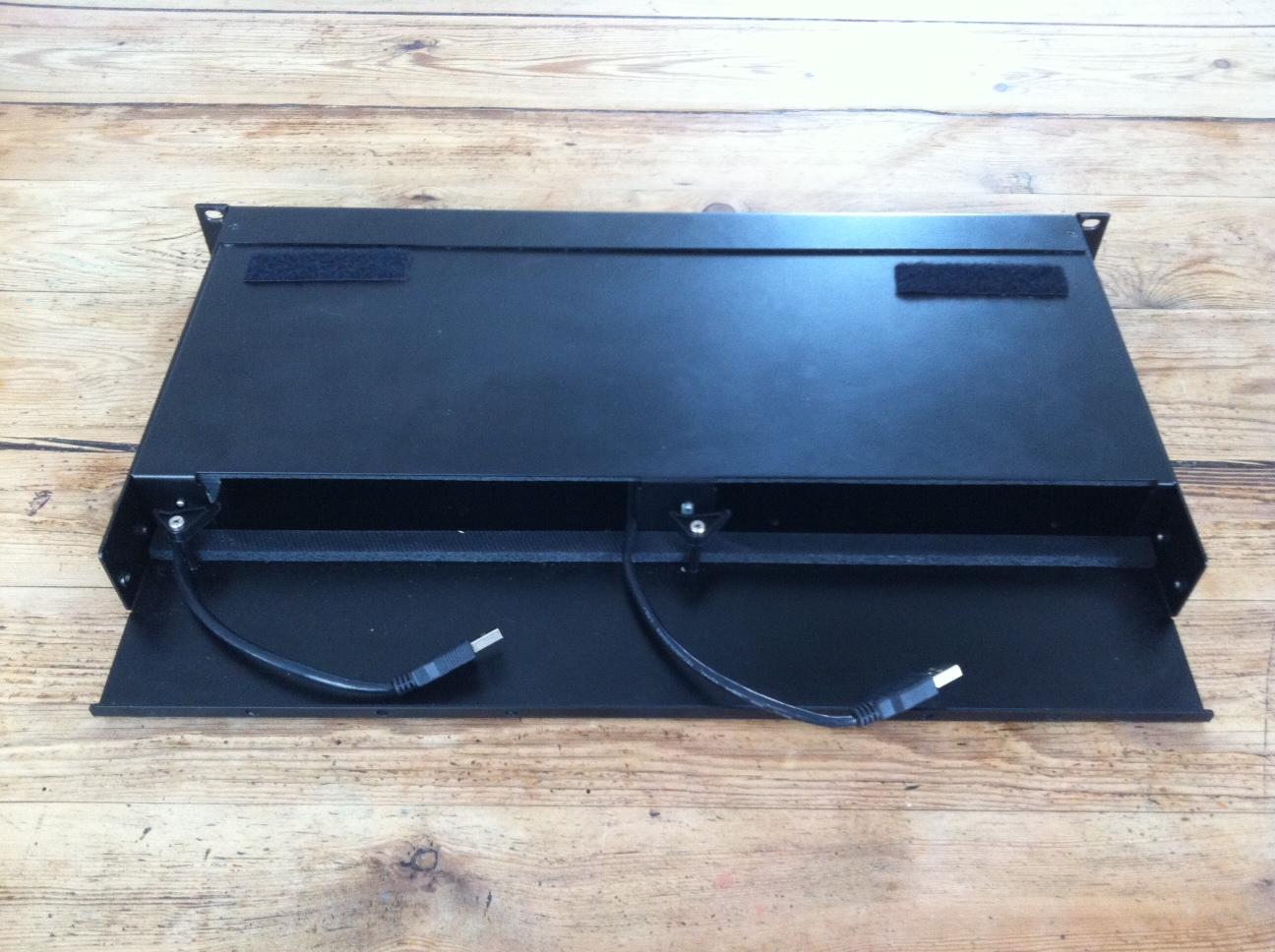 vends rack pour mac mini sonnet rackmac mini ile de france audiofanzine. Black Bedroom Furniture Sets. Home Design Ideas