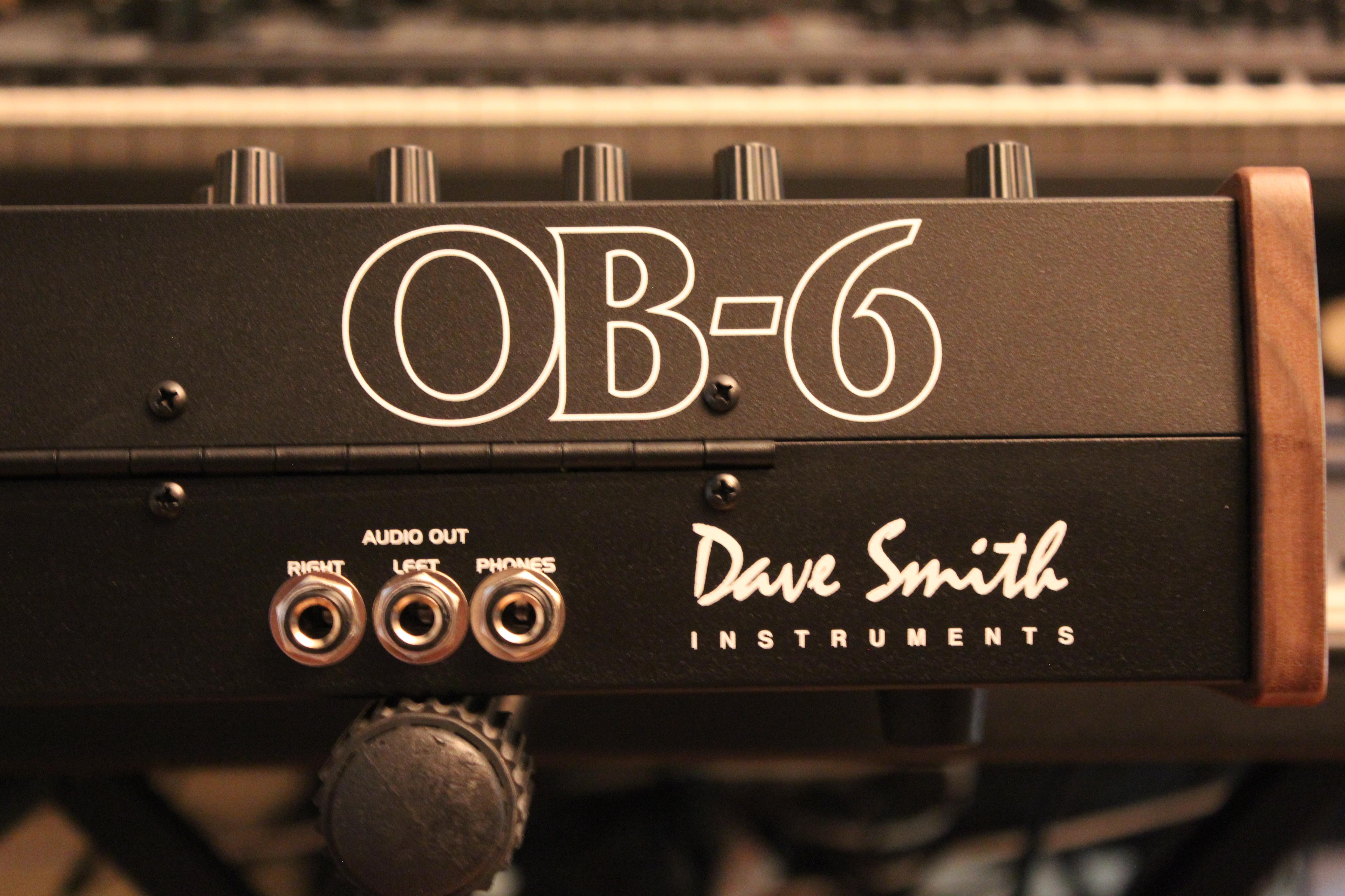 Test du synthétiseur analogique Dave Smith Instruments OB ...