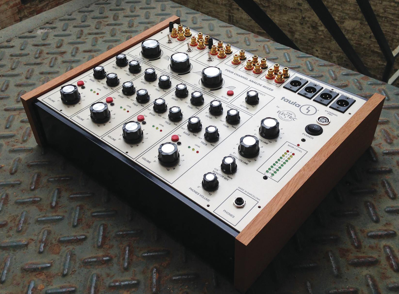 table de mixage analogique dj