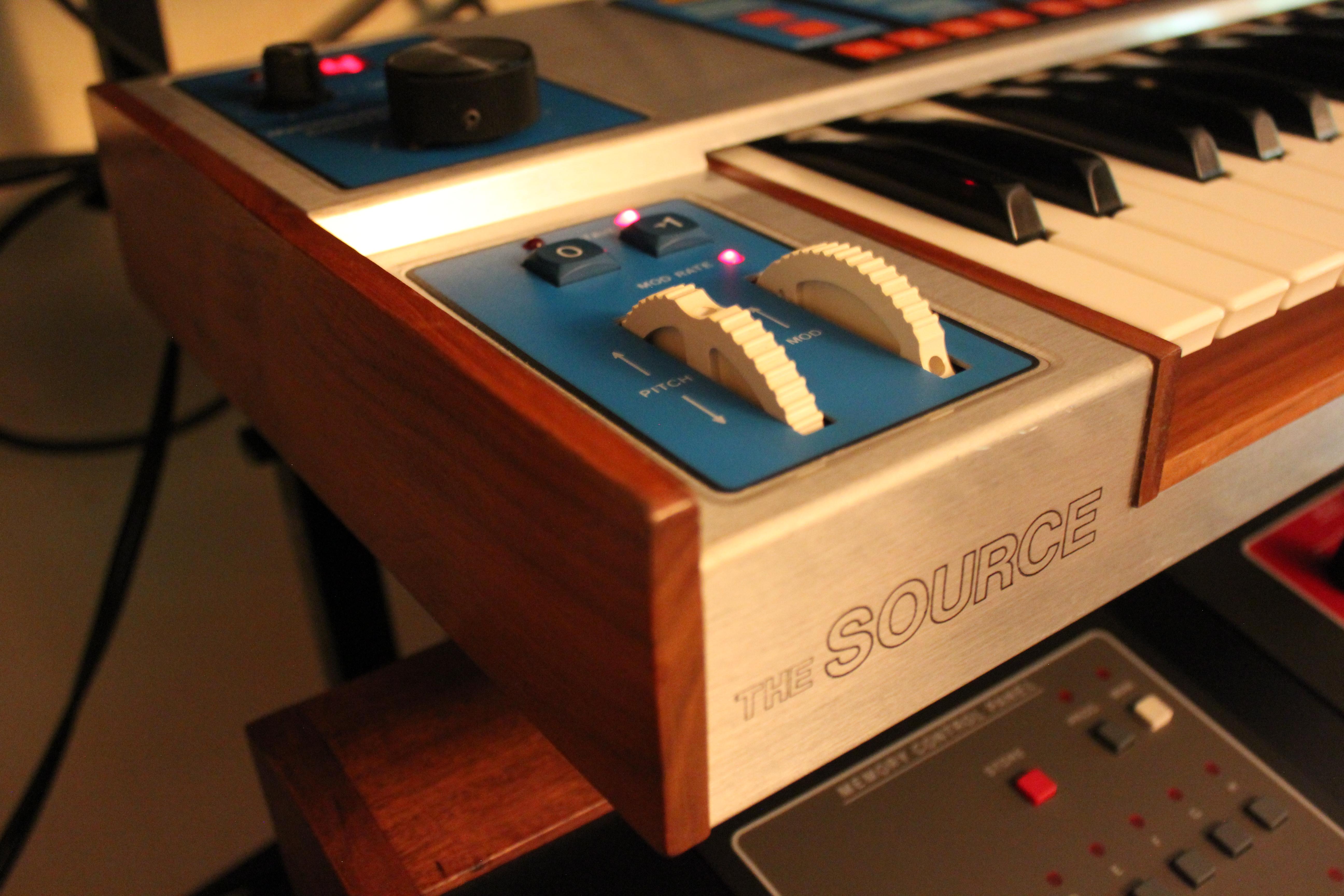 Test du synth tiseur analogique vintage moog the source - Jouer au 12 coups de midi gratuitement ...