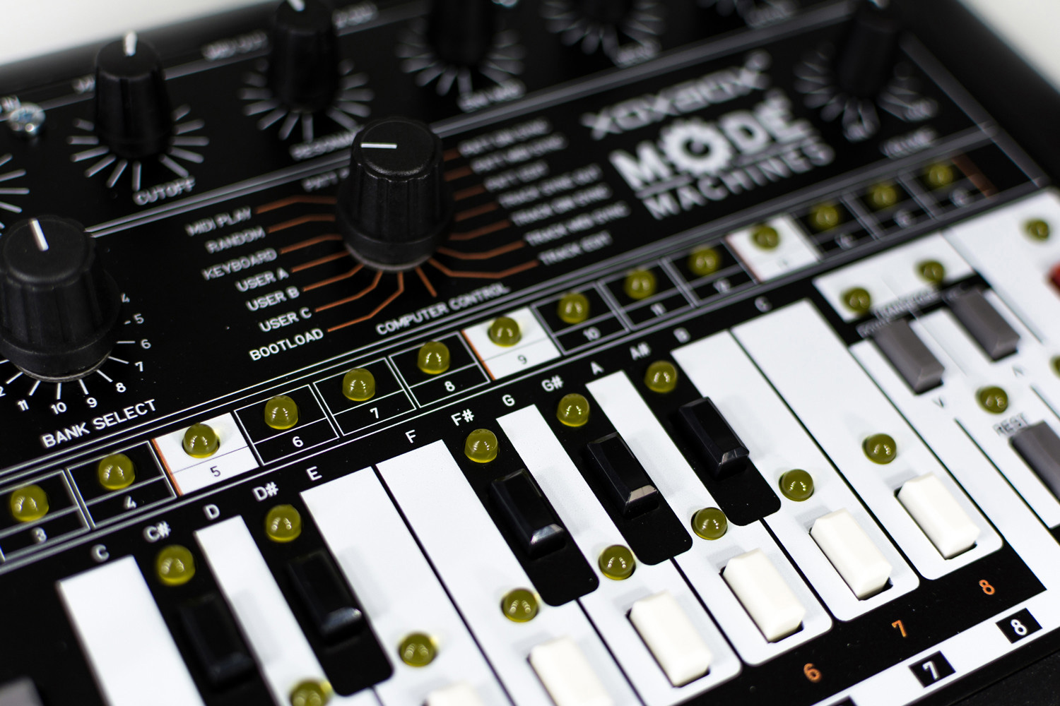 mode machines x0xb0x mk3 final edition  clone du synth u00e9 de basse analogique roland tb