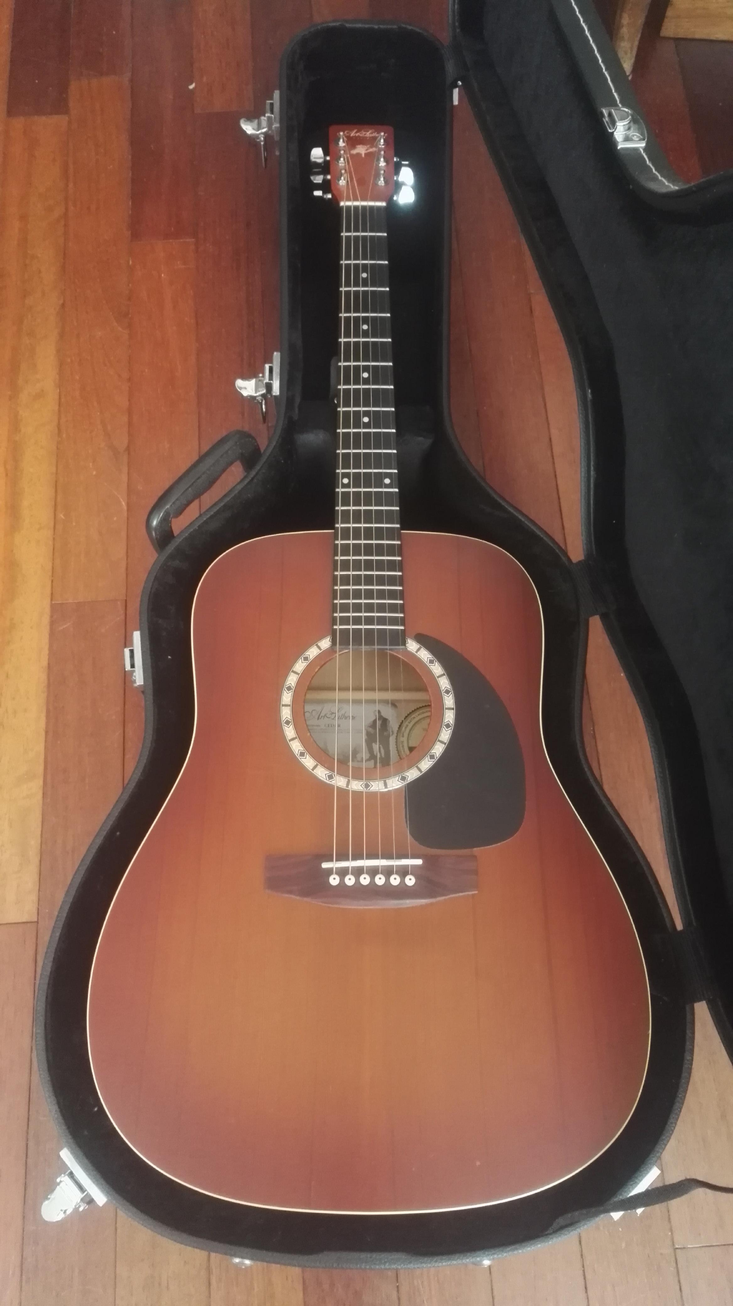 Vend guitare Art et Lutherie très peu servi (IledeFrance  ~ Bois De Lutherie Guitare