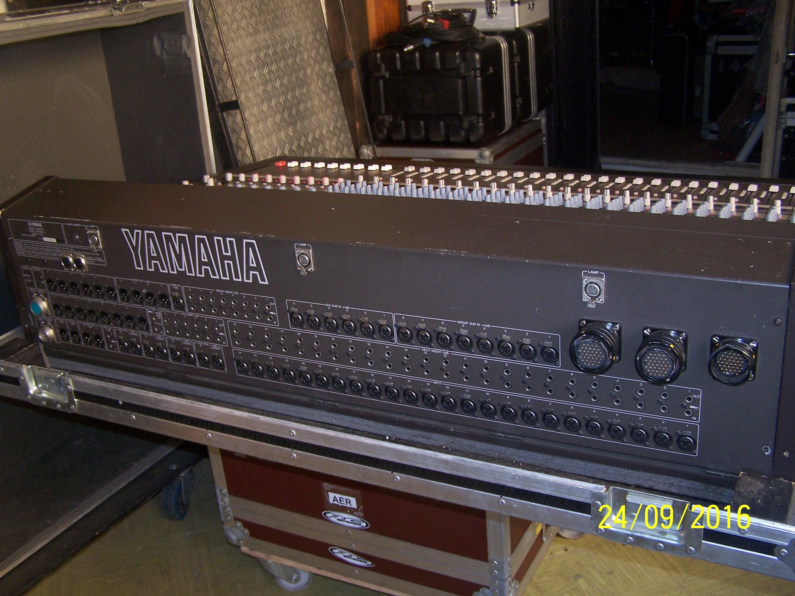 Vends table de mixage yamaha pm 1800 centre audiofanzine for Table de mixage yamaha 6 pistes