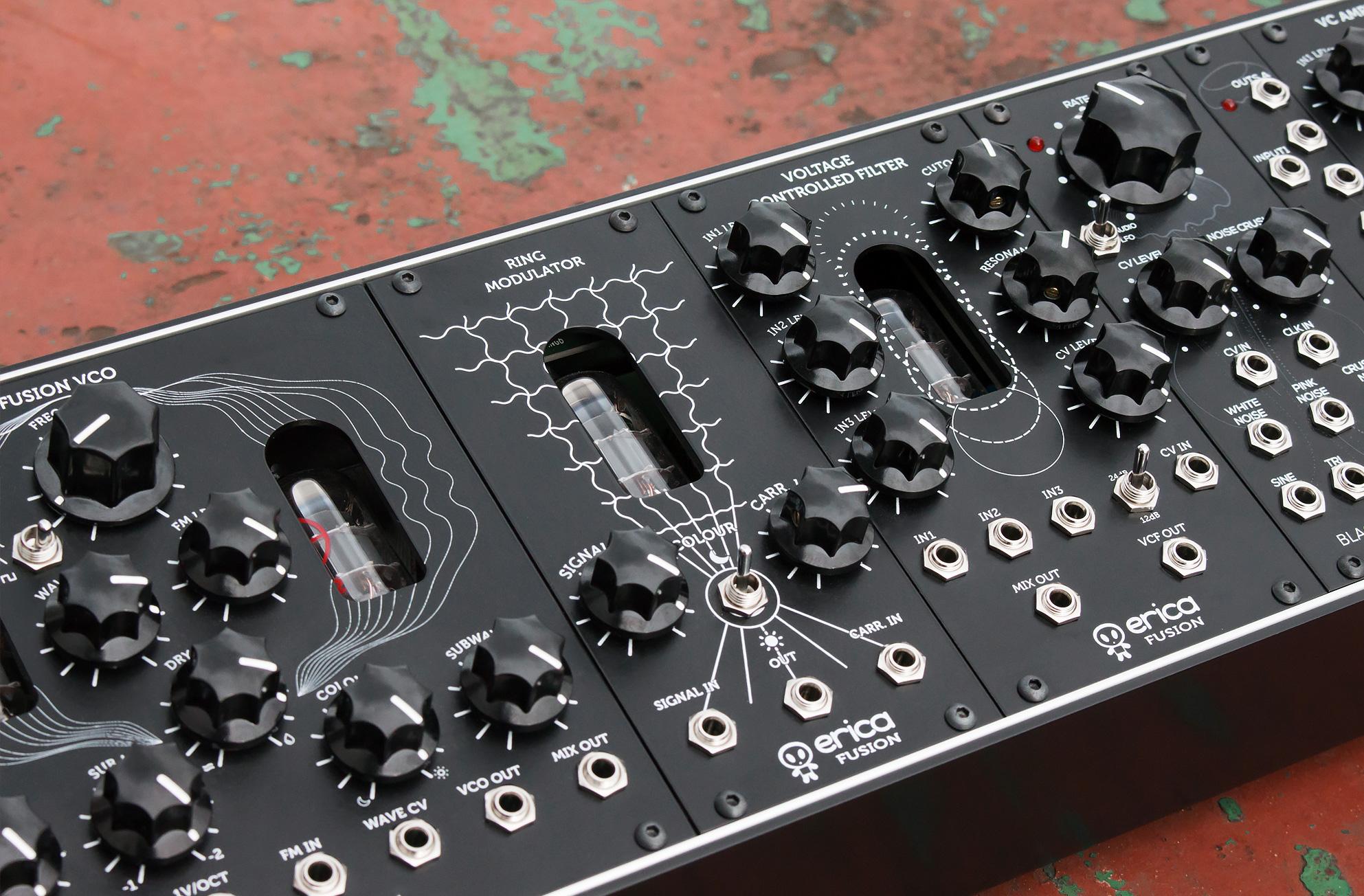 syst u00e8me modulaire analogique  u00e0 lampes au format eurorack erica synth u00e9 fusion drone system