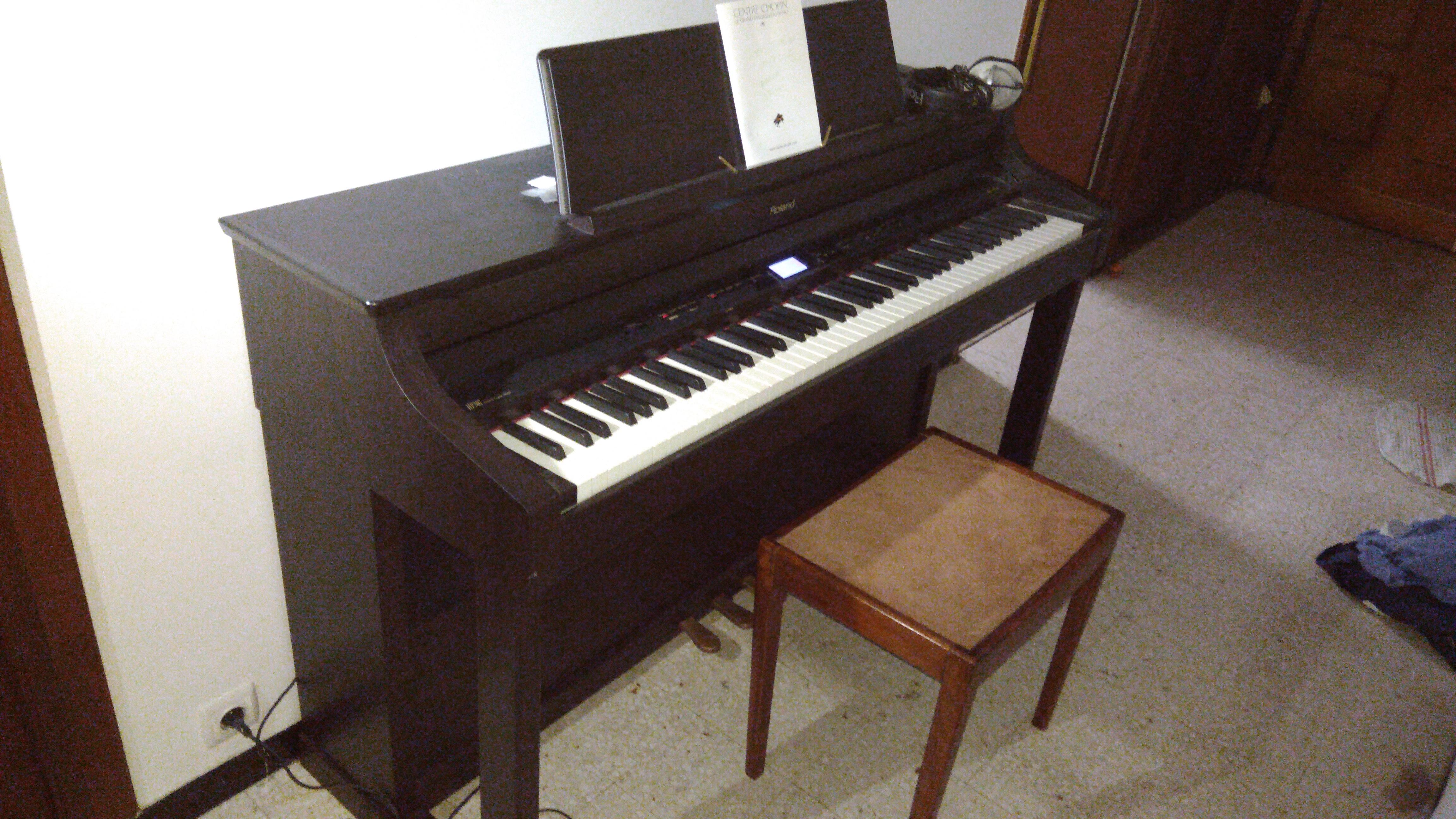 vends piano num rique roland hp307 languedoc roussillon audiofanzine. Black Bedroom Furniture Sets. Home Design Ideas