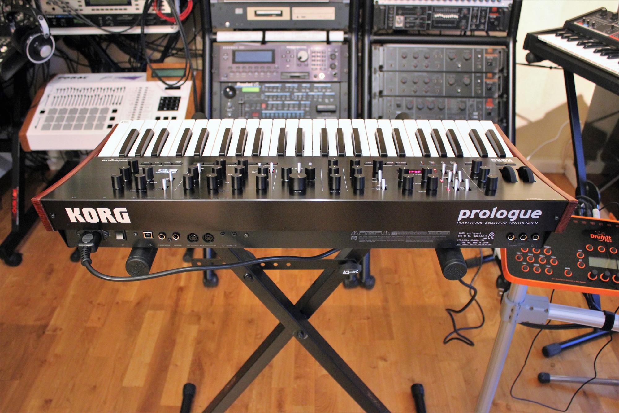 Test du synthétiseur analogique polyphonique Korg Prologue-8