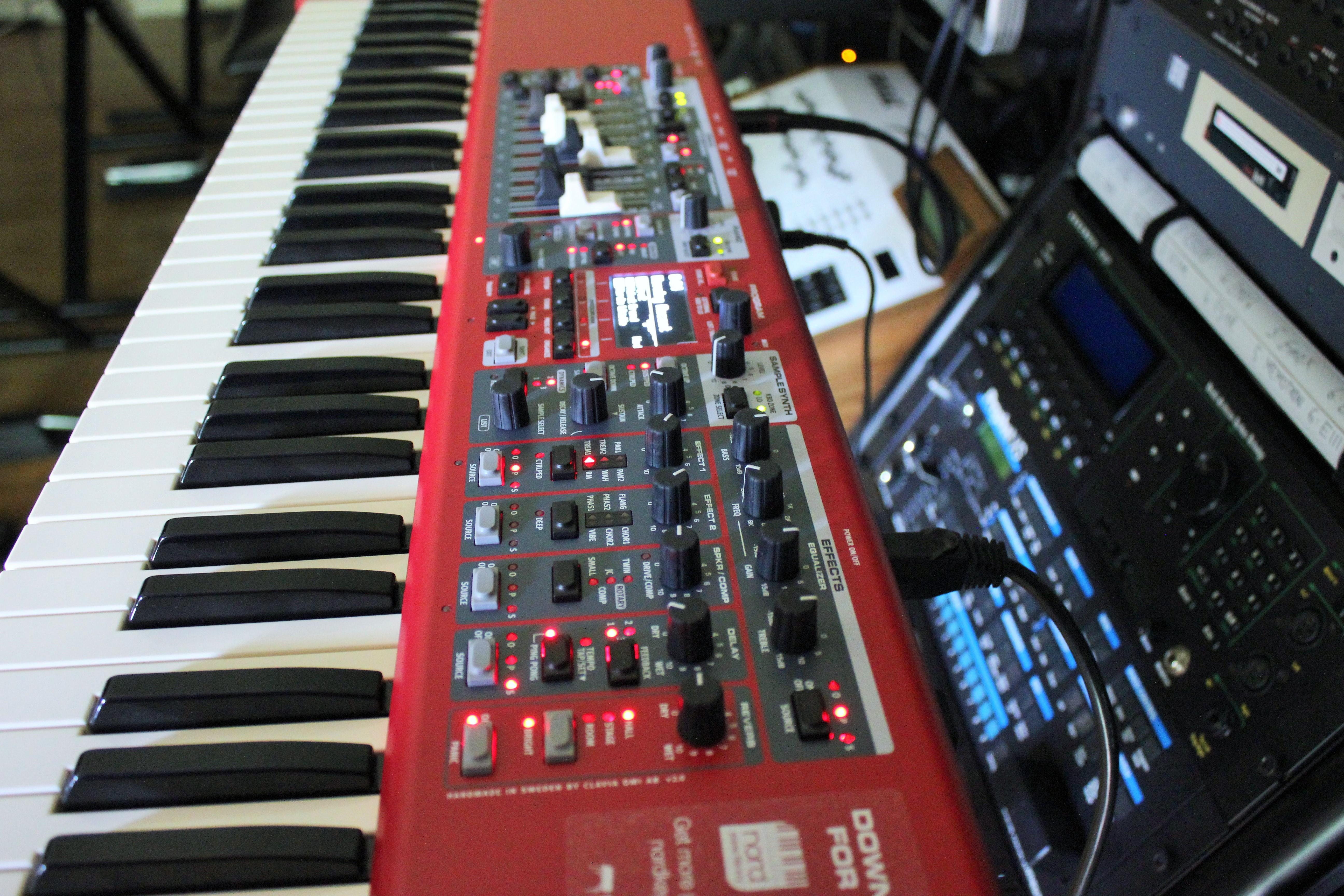 Hammond orgue numéro de série datant Edward Norton et Drew Barrymore datant