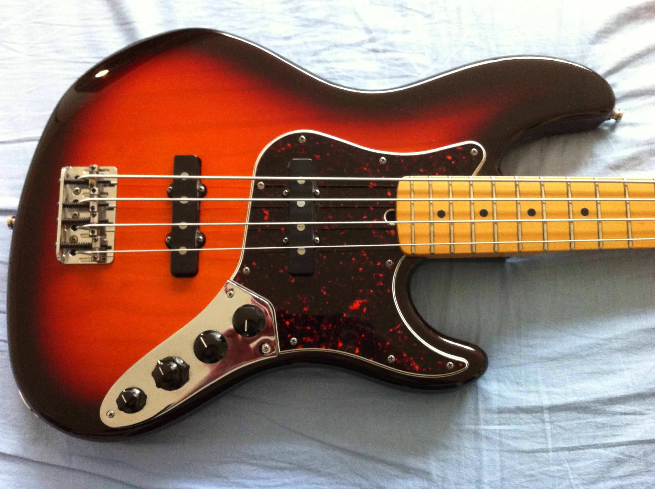 How To Set The Controls Of A Passive Bass Guitar Audiofanzine