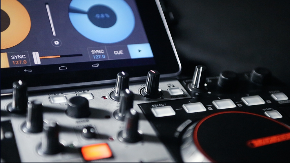 cross dj for android supports midi control news audiofanzine. Black Bedroom Furniture Sets. Home Design Ideas