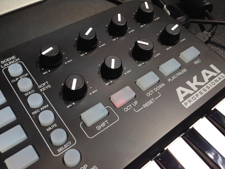 Jeu de mixage de musique gratuit - Table de mixage en ligne gratuit ...