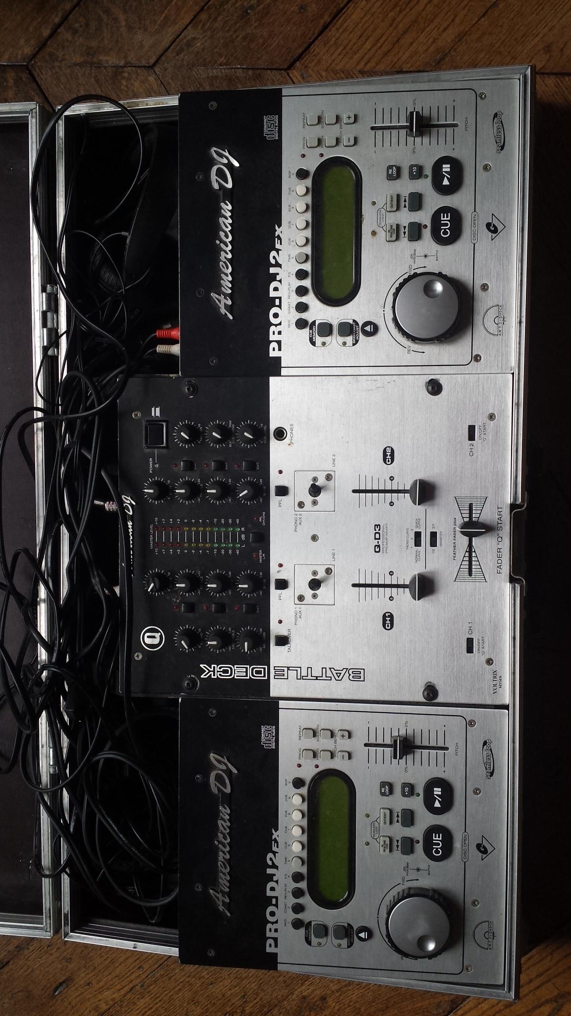 table de mixage lecteurs cd american dj flight case. Black Bedroom Furniture Sets. Home Design Ideas