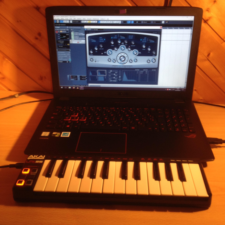 vend clavier ma tre midi usb akai lpk25 basse normandie audiofanzine. Black Bedroom Furniture Sets. Home Design Ideas
