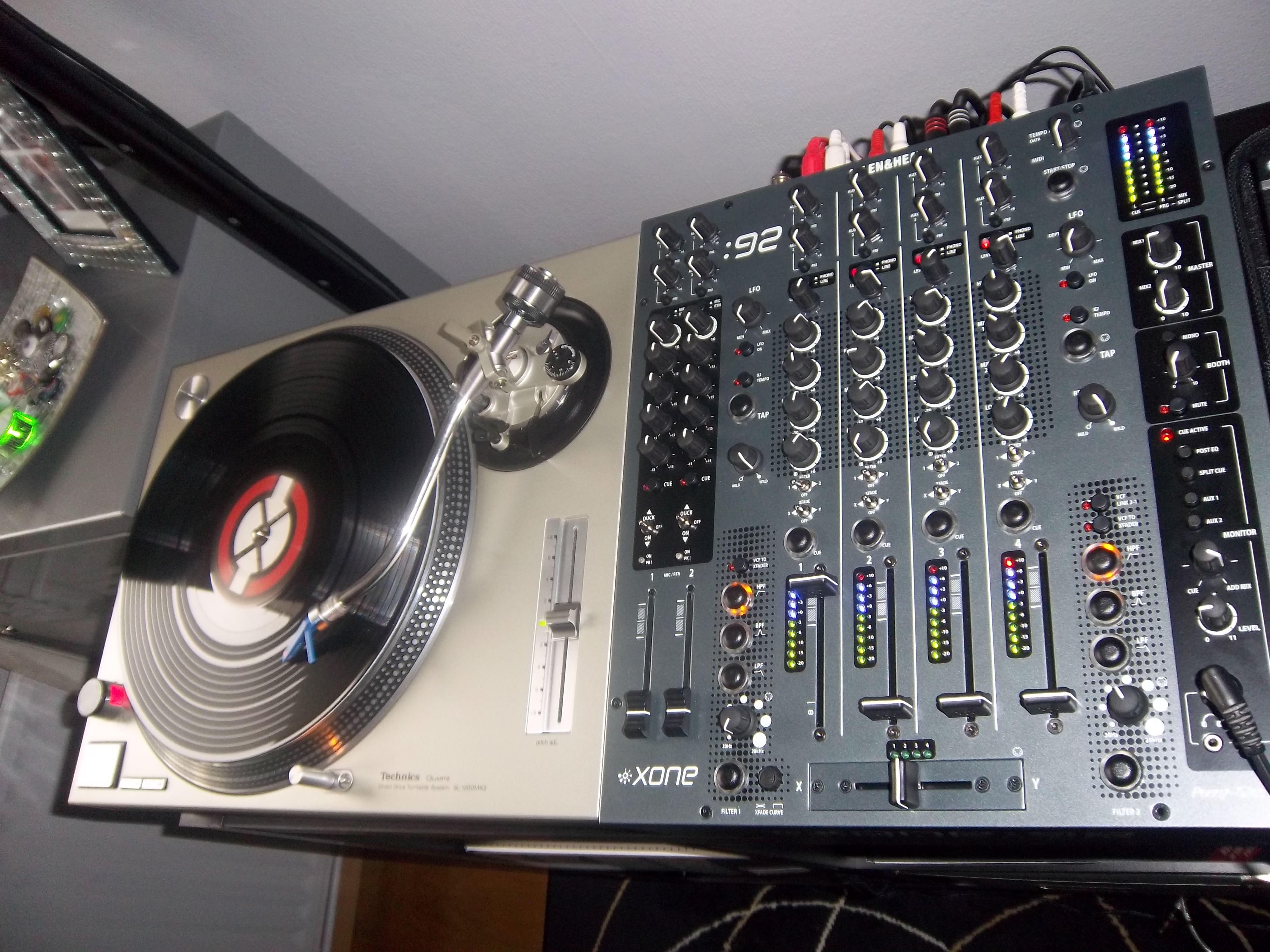 table de mixage xone 92