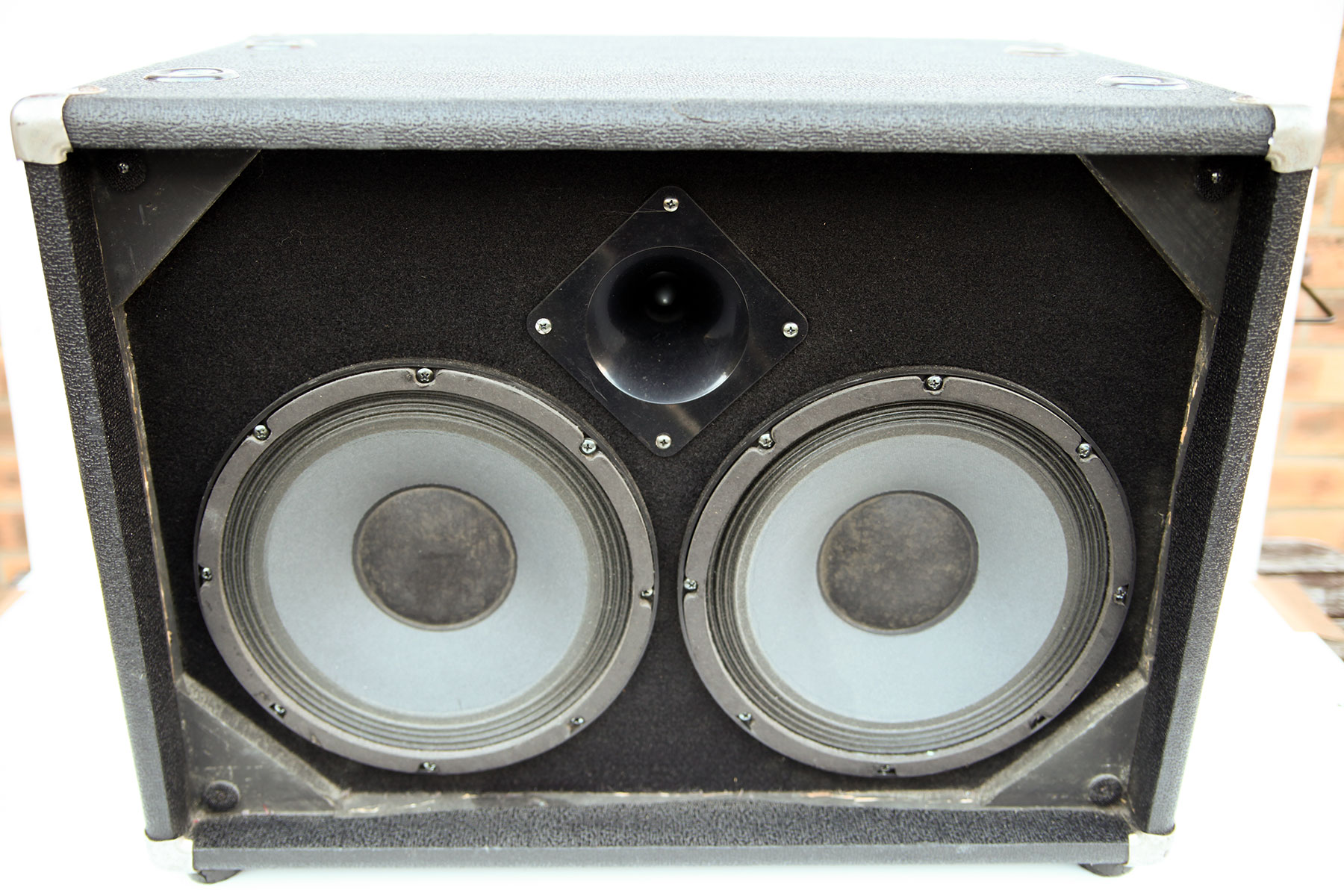 Dating Ampeg speakers and cabinet