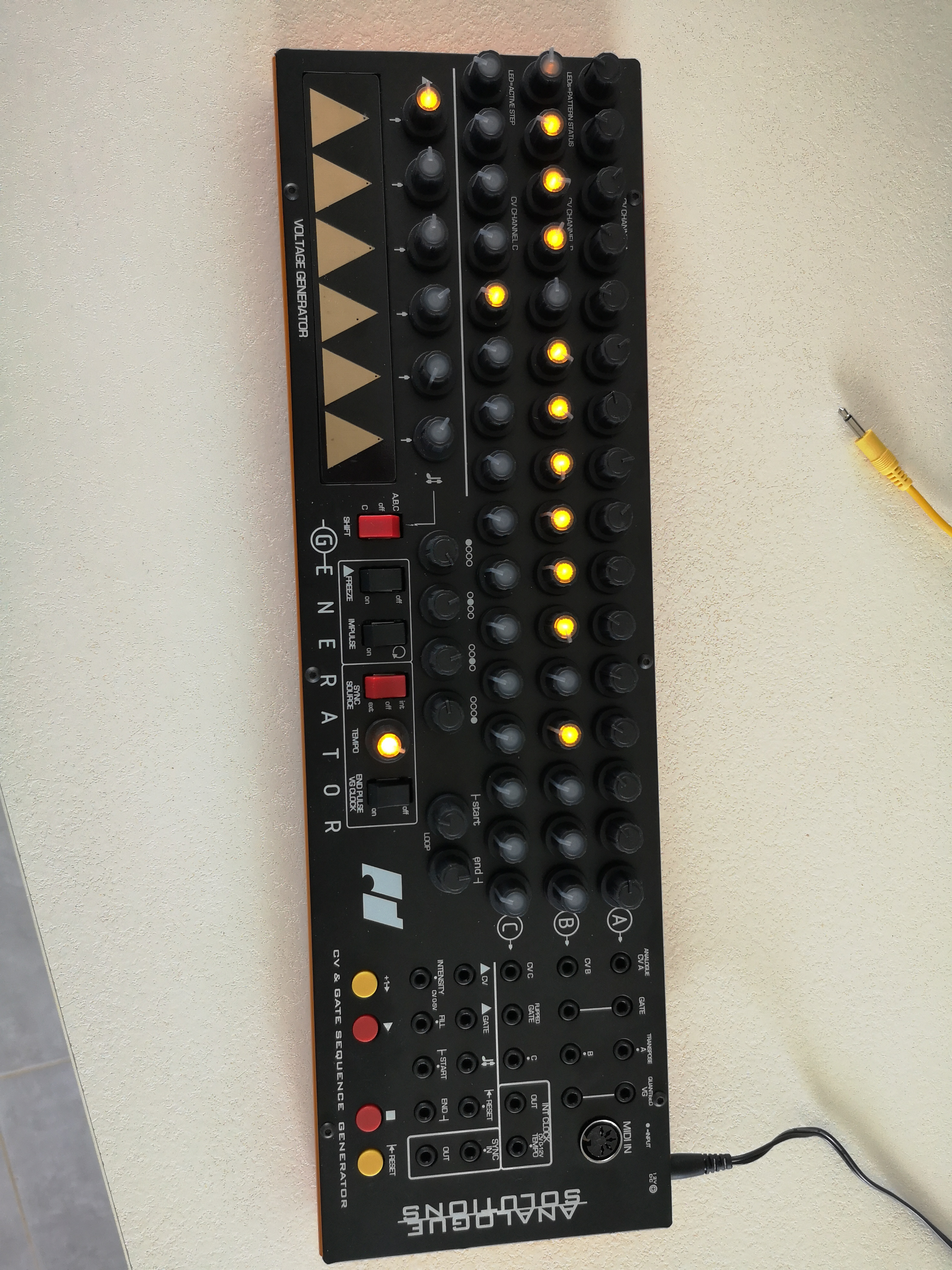 S 233 Quenceur Analogue Solutions Generator Midi Pyr 233 N 233 Es