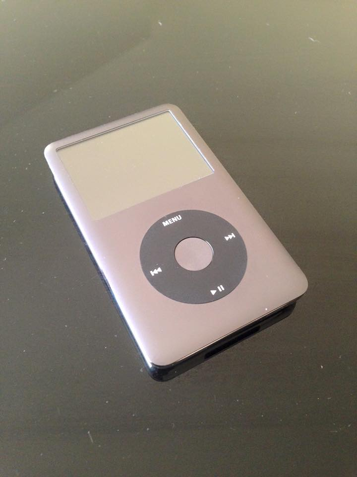 ipod classic 160 go peu servie car abonnement deezer sur. Black Bedroom Furniture Sets. Home Design Ideas