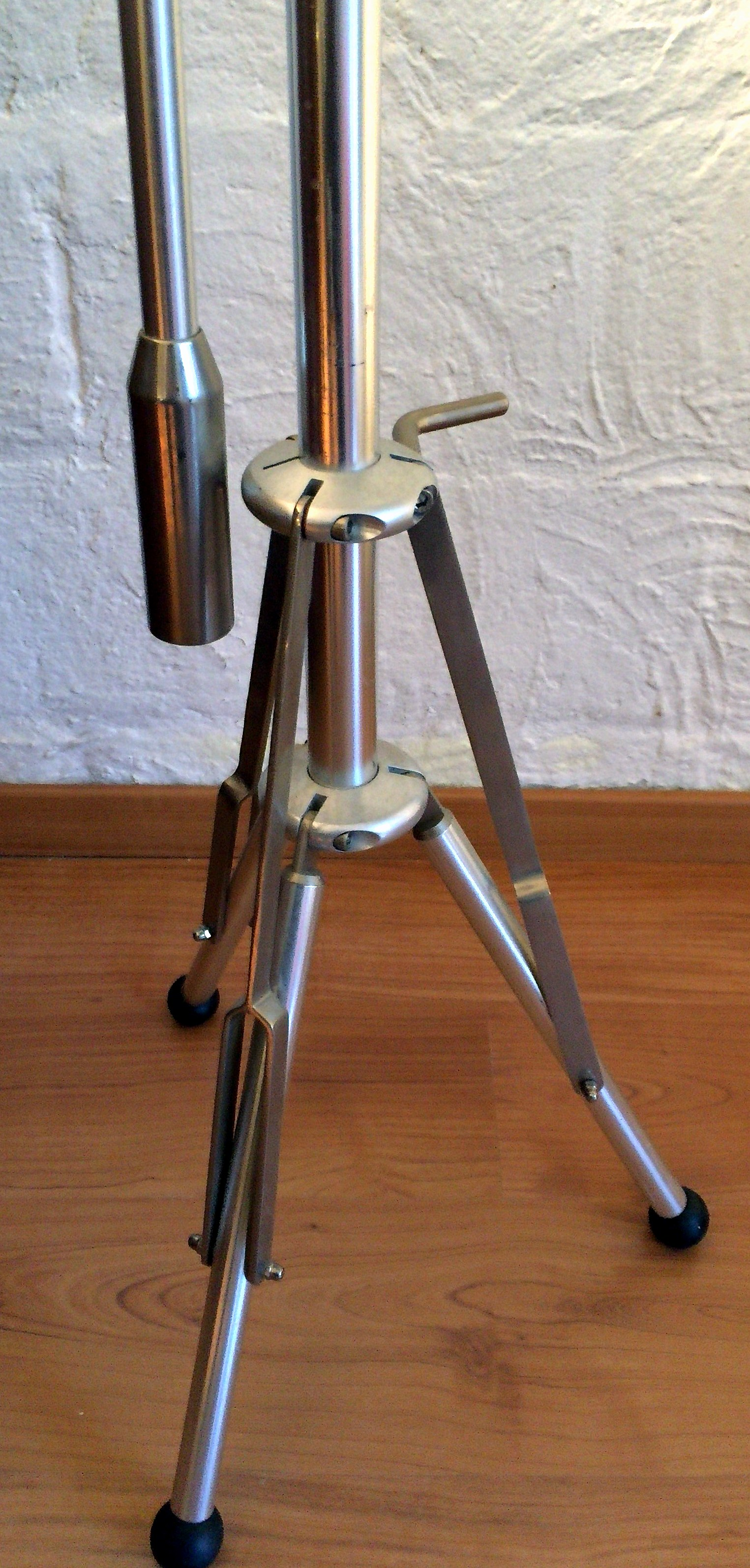 pied pour micro avec contrepoids atlas stands audiofanzine. Black Bedroom Furniture Sets. Home Design Ideas
