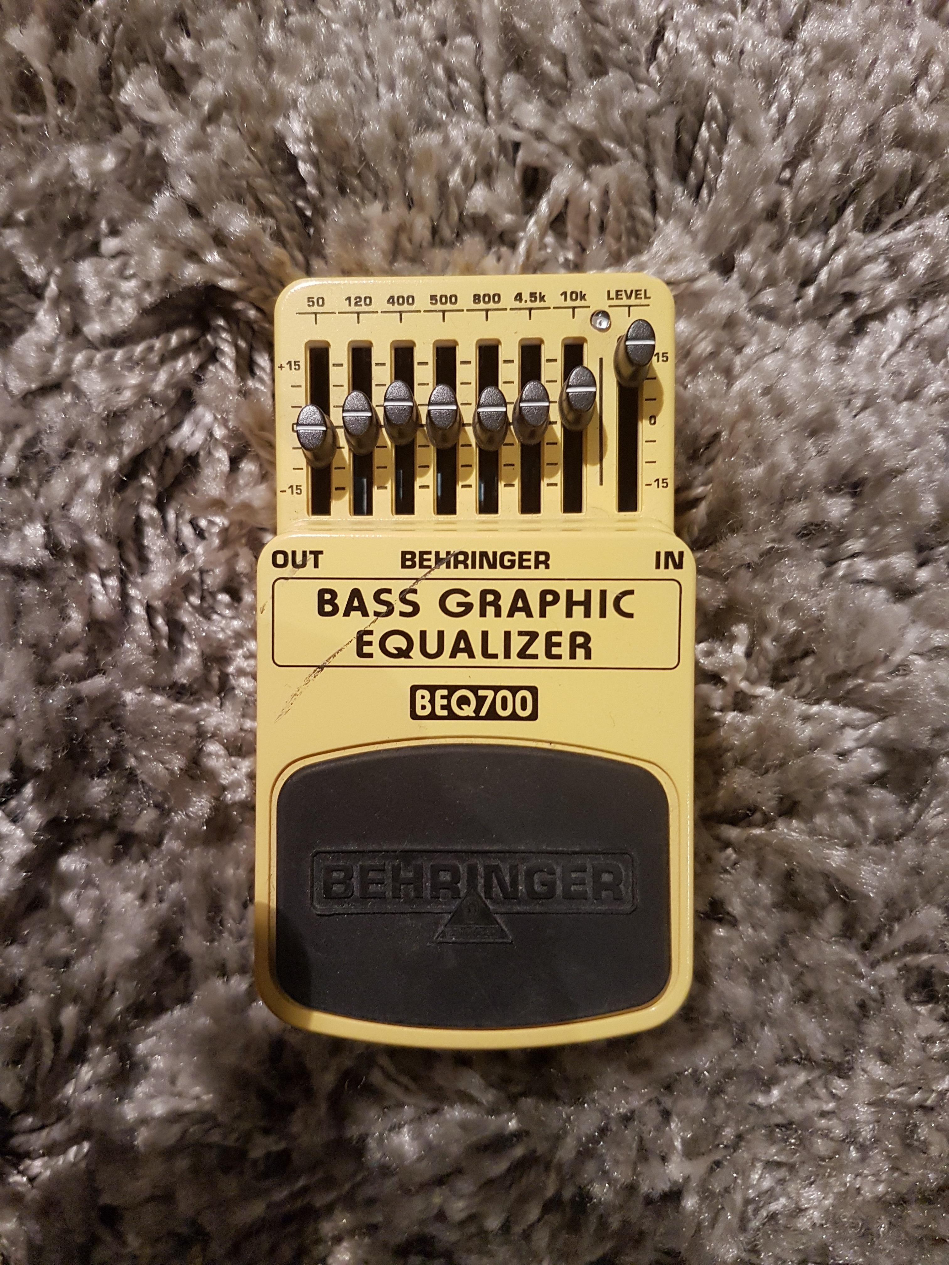 bass graphic equalizer beq700 behringer audiofanzine. Black Bedroom Furniture Sets. Home Design Ideas