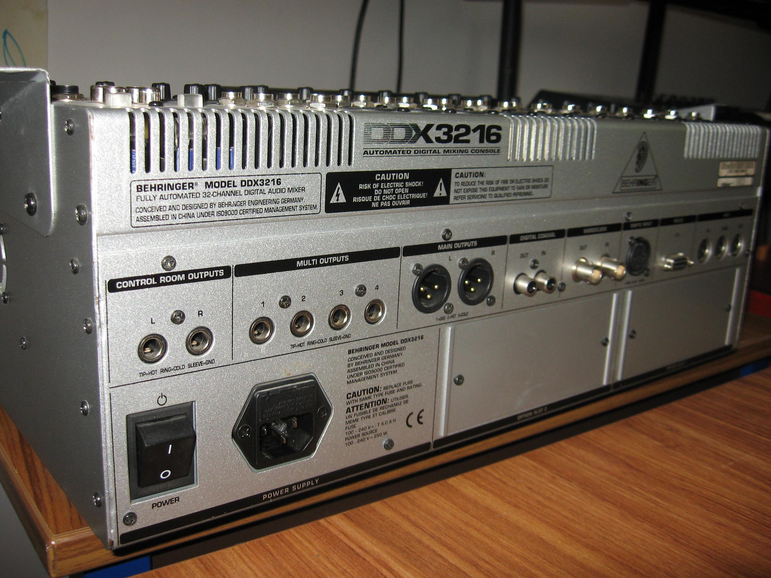 Photo behringer ddx3216 behringer ddx3216 32710 1838234 audiofanzine - Console numerique behringer ...
