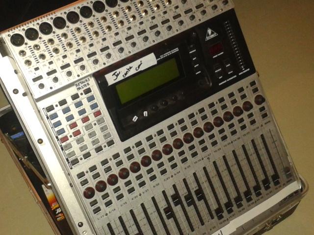 Photo behringer ddx3216 behringer ddx3216 73823 849527 audiofanzine - Console numerique behringer ...