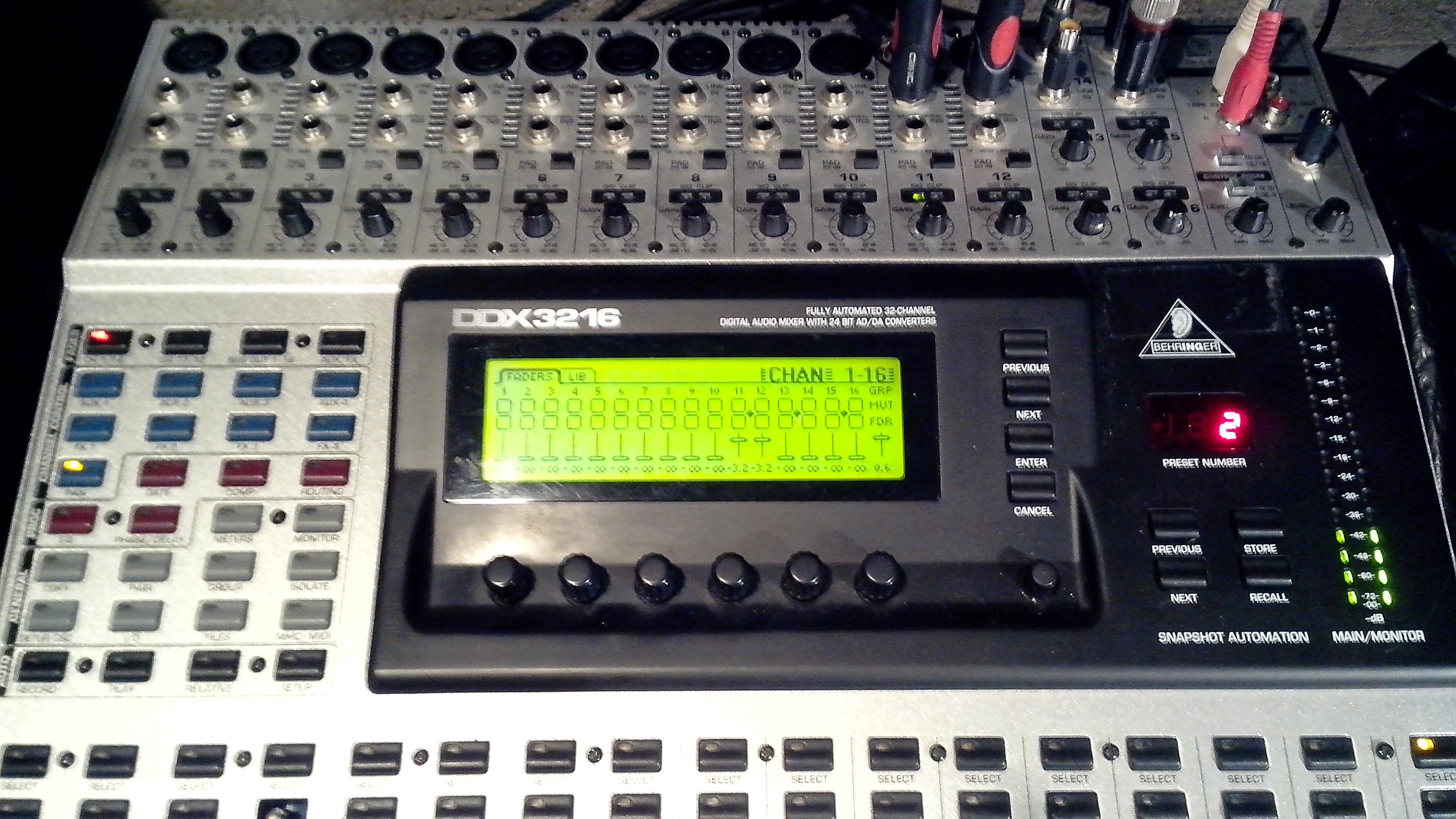 Photo behringer ddx3216 behringer ddx3216 73794 987284 audiofanzine - Console numerique behringer ...