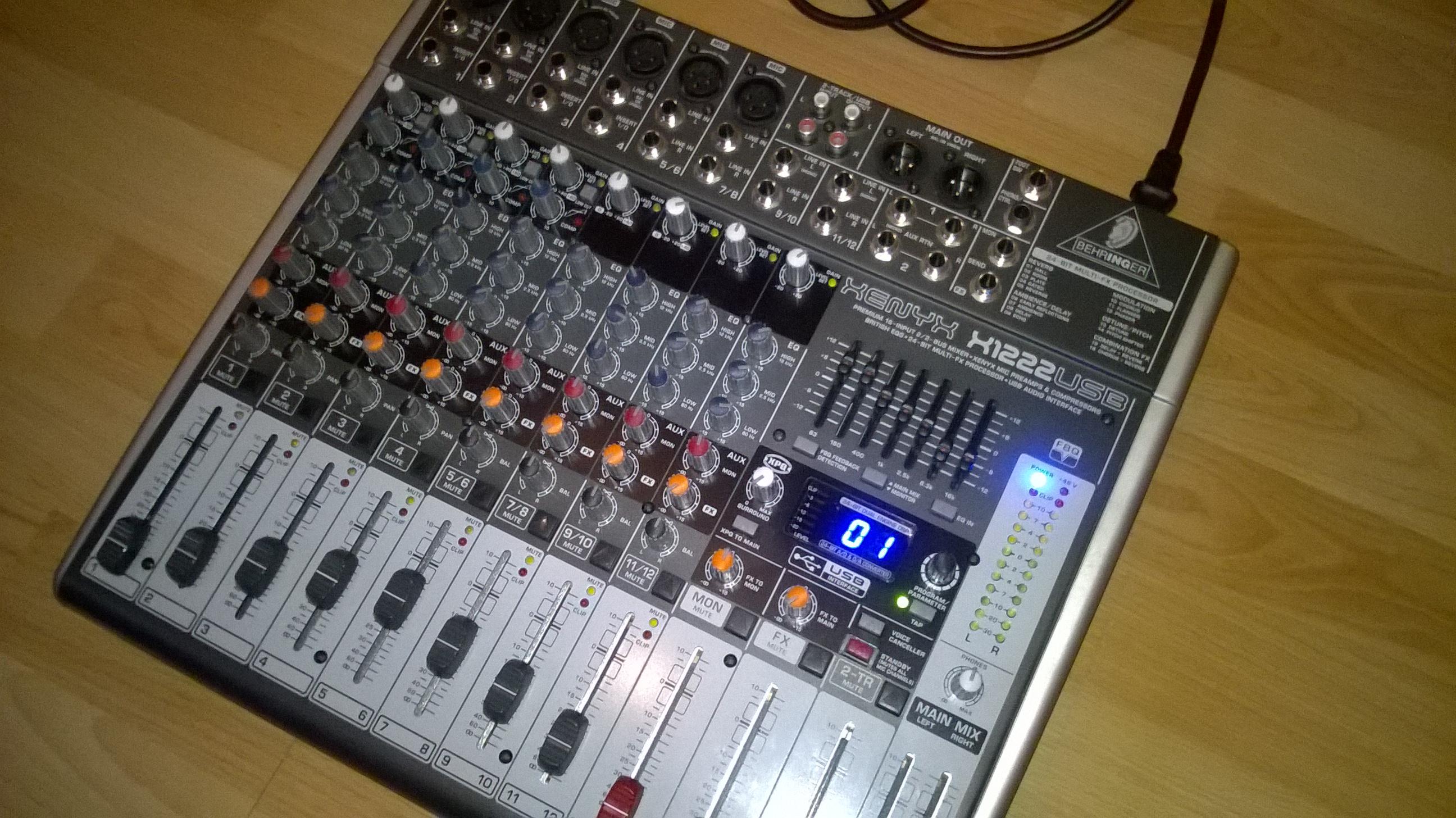 Pack table de mixage enceintes behringer bourgogne - Branchement enceinte amplifiee table mixage ...
