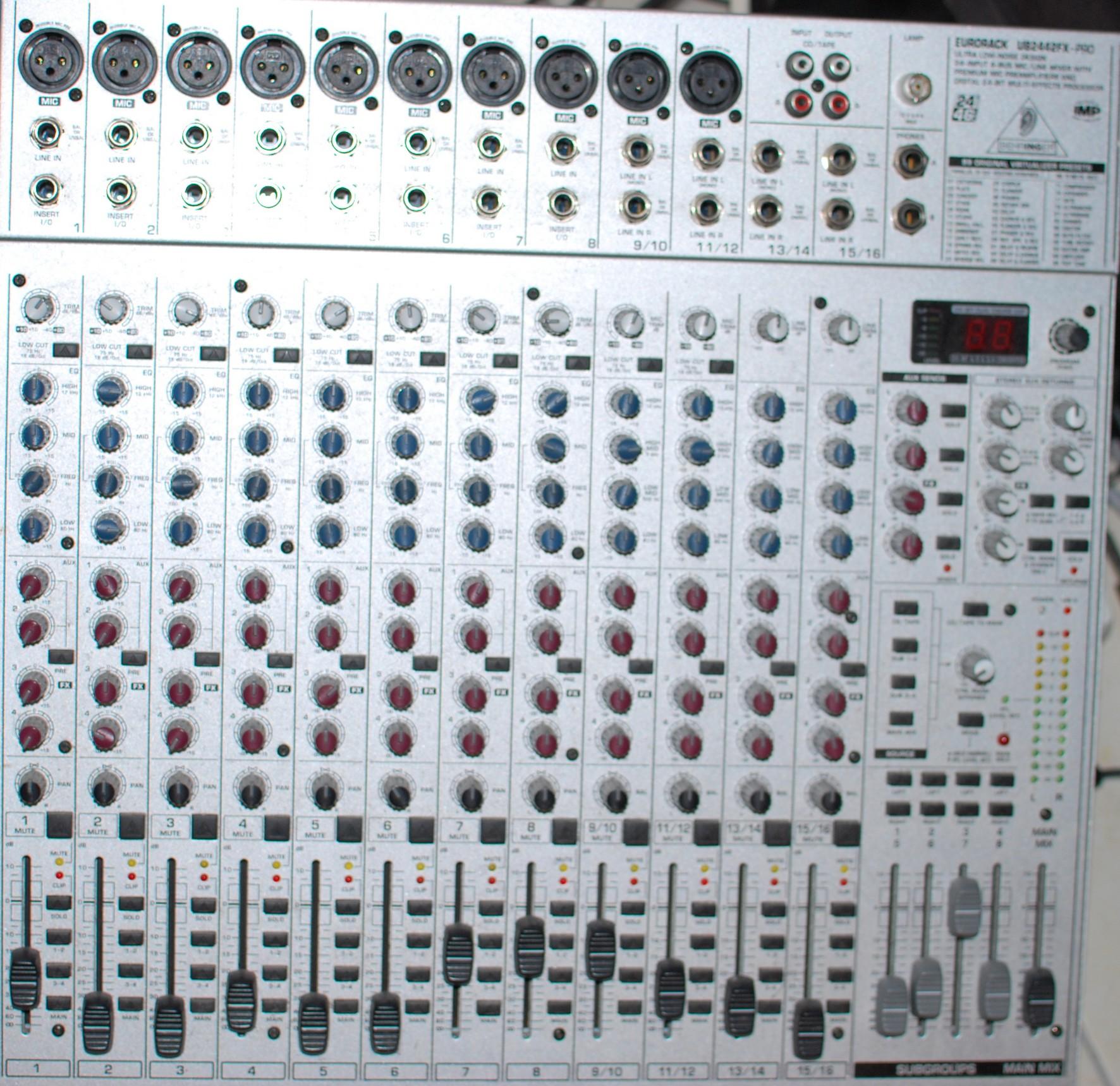 behringer eurorack ub2442fx pro image 300291 audiofanzine rh en audiofanzine com Mixing Board Behringer 2442 FxPro Behringer UB2442FX Pro Mixer