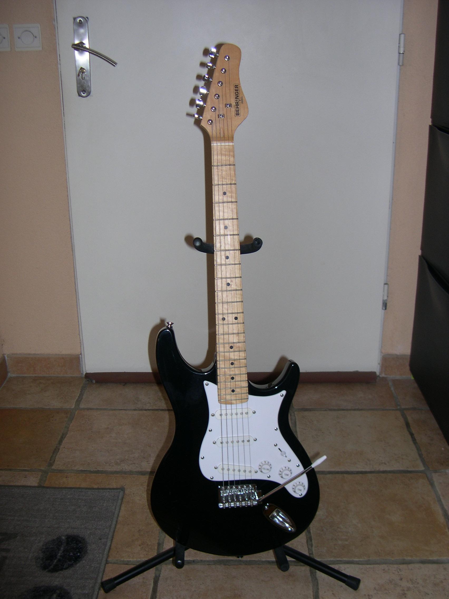 guitare electrique behringer