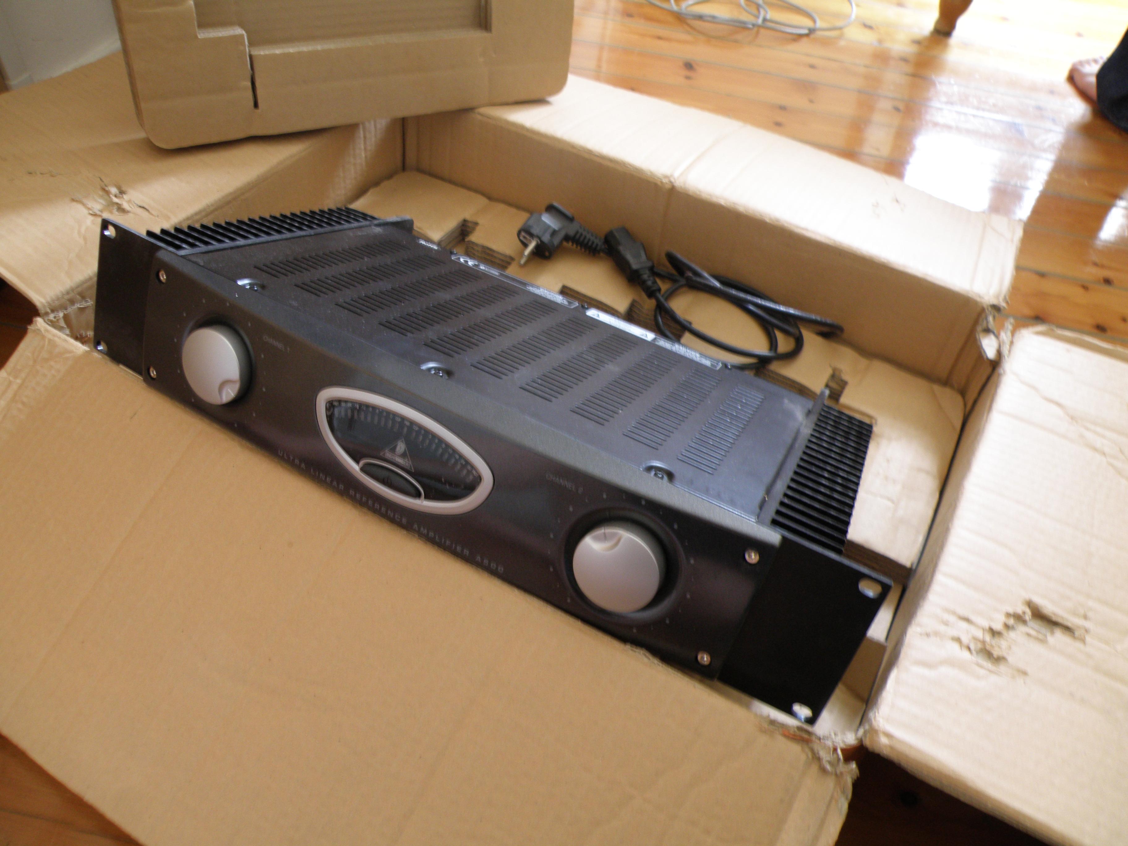 behringer reference amplifier a500 image 245697 audiofanzine. Black Bedroom Furniture Sets. Home Design Ideas