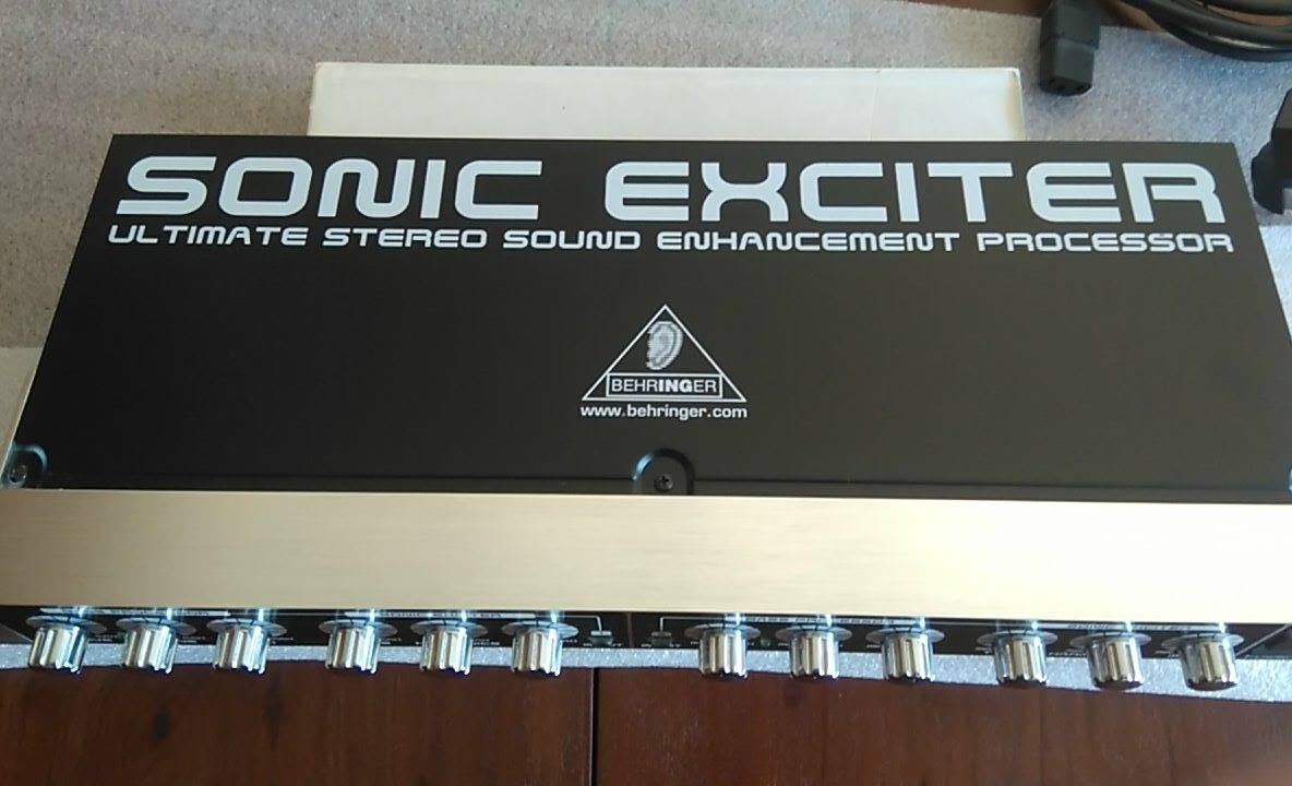 vend behringer sonic exciter sx3040 ile de france audiofanzine. Black Bedroom Furniture Sets. Home Design Ideas