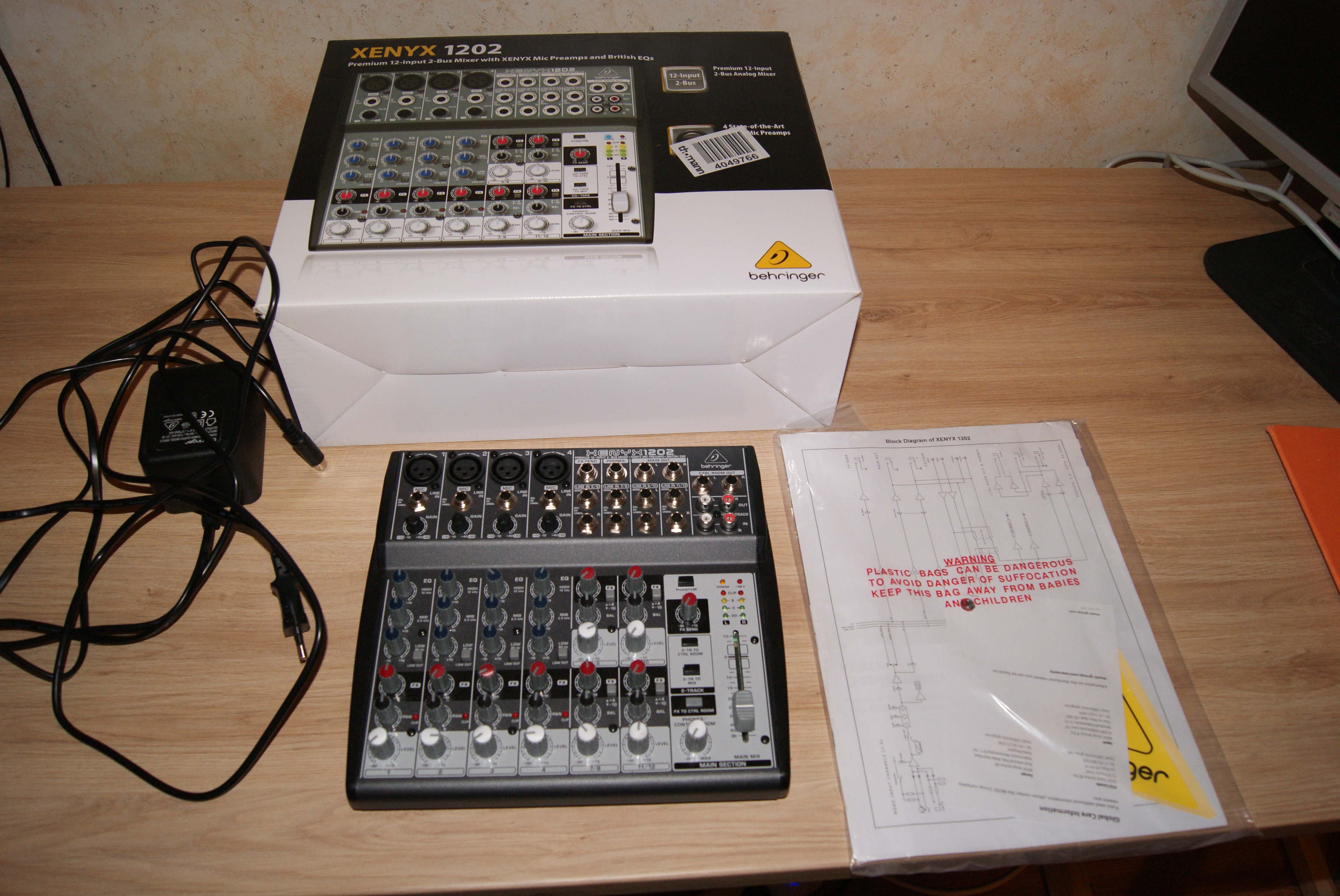 table de mixage behringer xenyx 1202