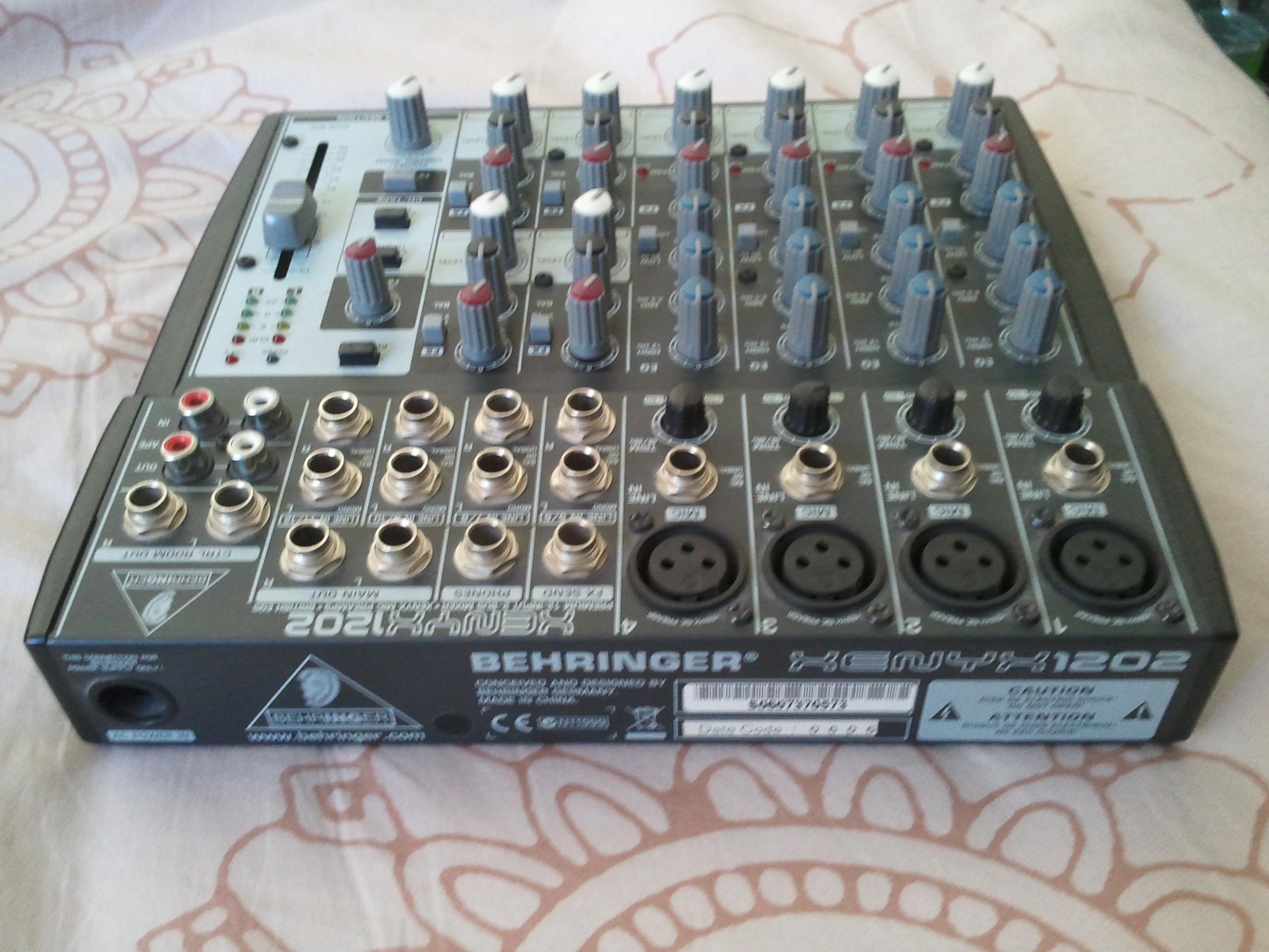 Behringer Xenyx 1202 Image 428261 Audiofanzine