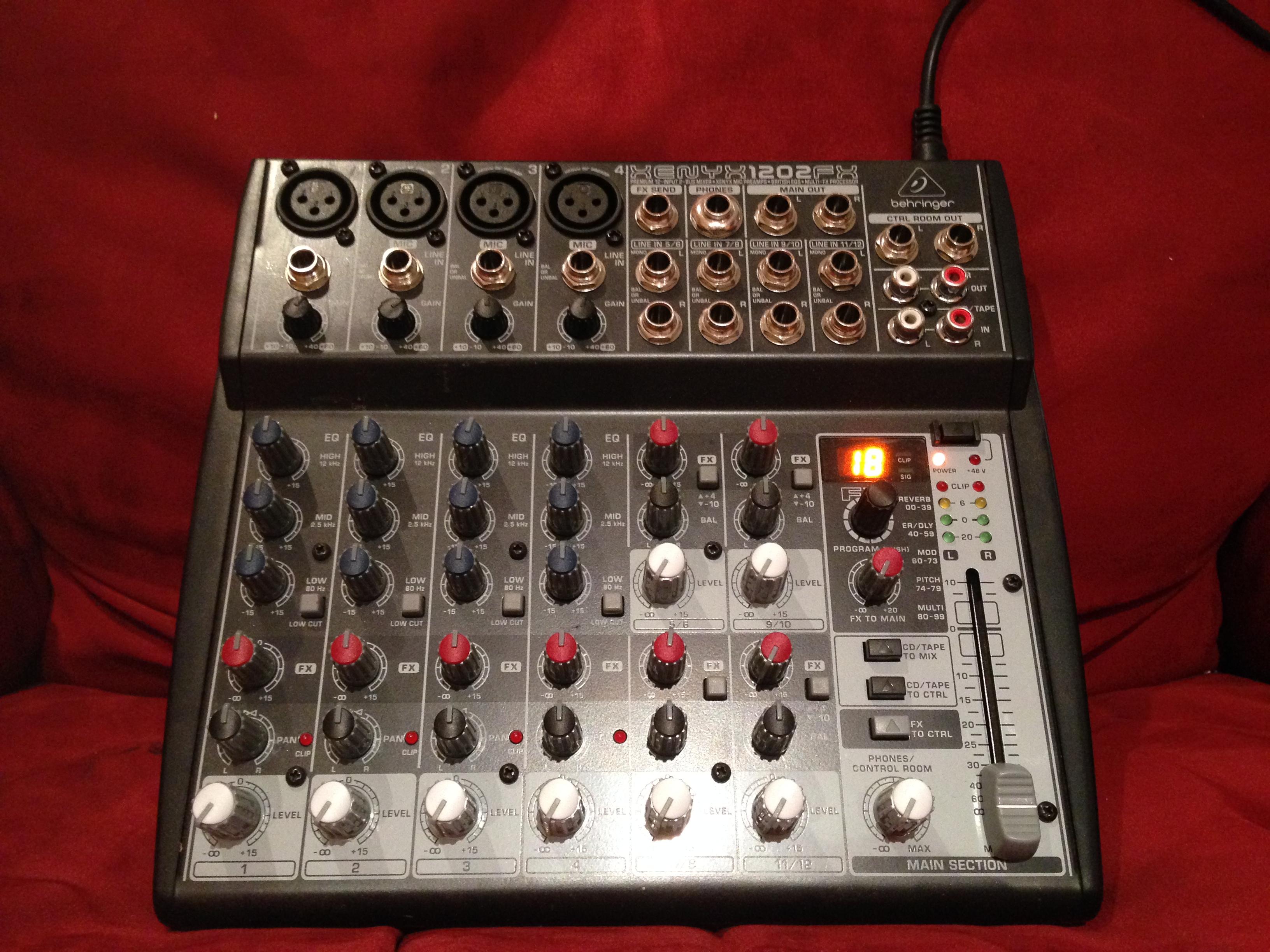 table de mixage xenyx 1202