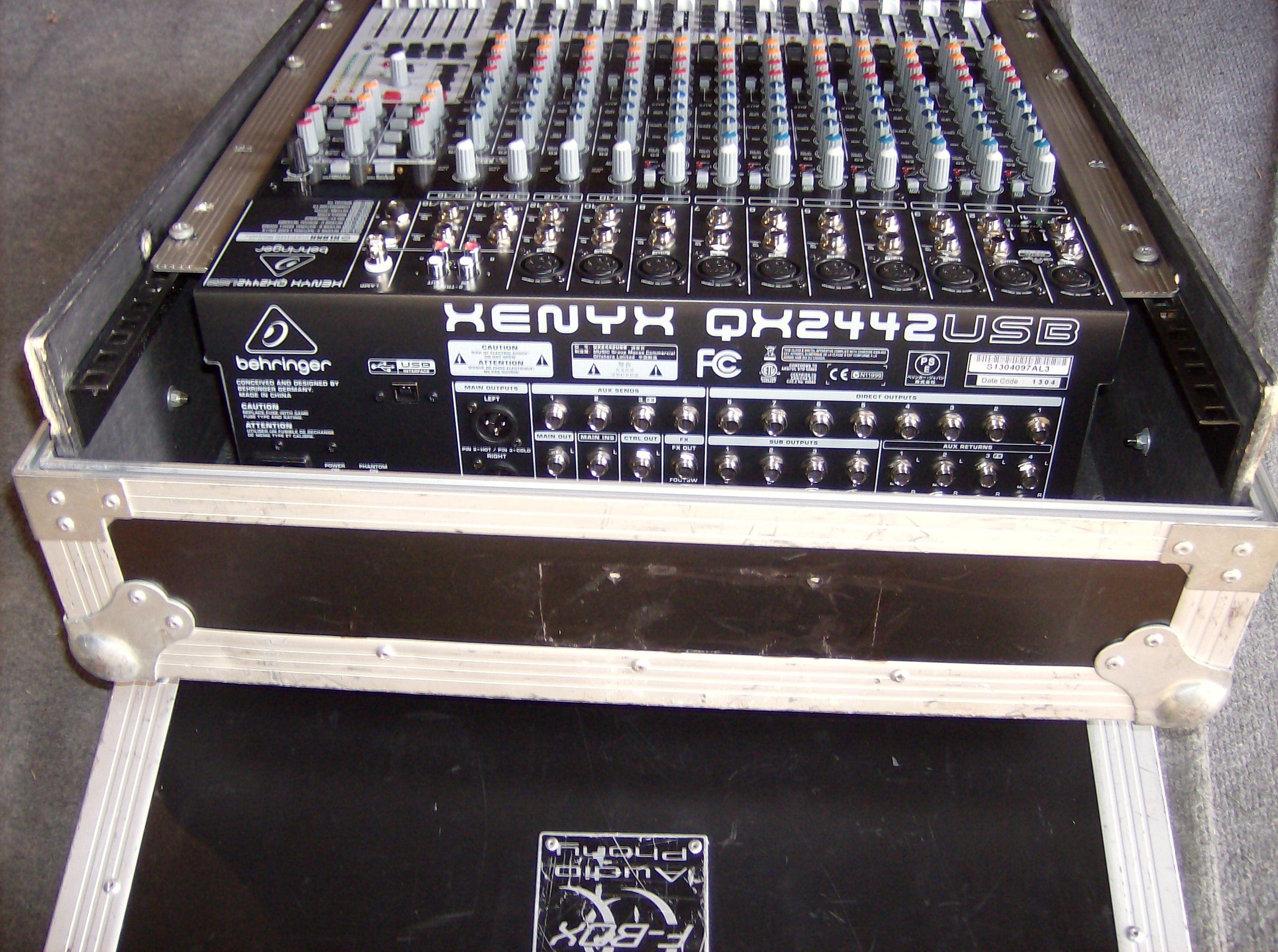 Behringer xenyx qx2442usb black
