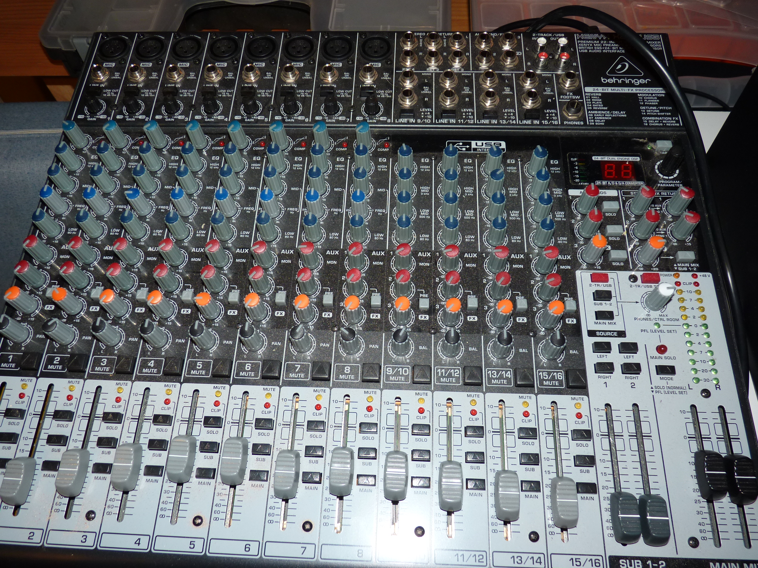 table de mixage behringer x2222 usb