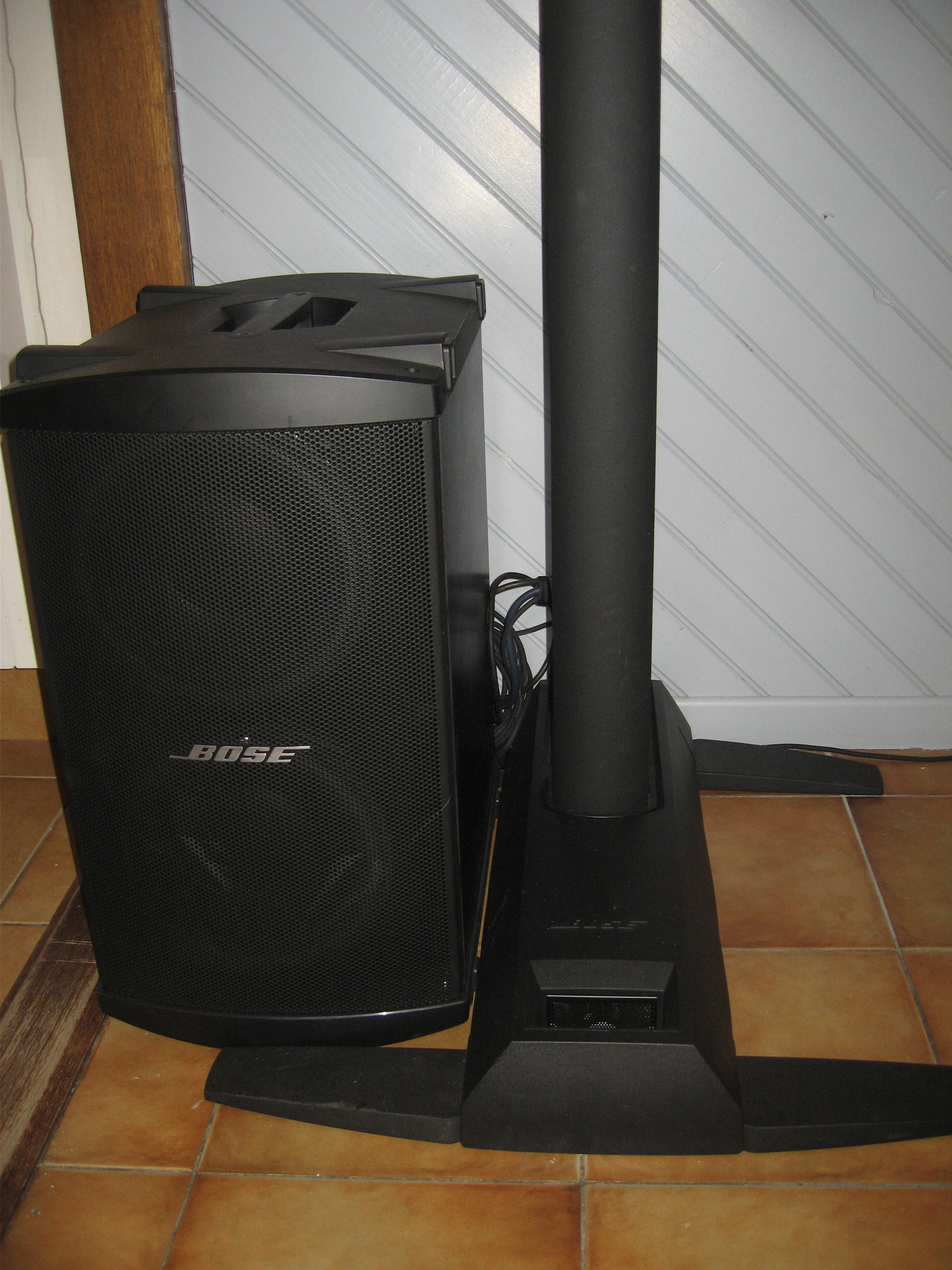 photo bose l1 model 1s with b2 bass bose l1 model 1s with b2 bass 84790 868597 audiofanzine. Black Bedroom Furniture Sets. Home Design Ideas