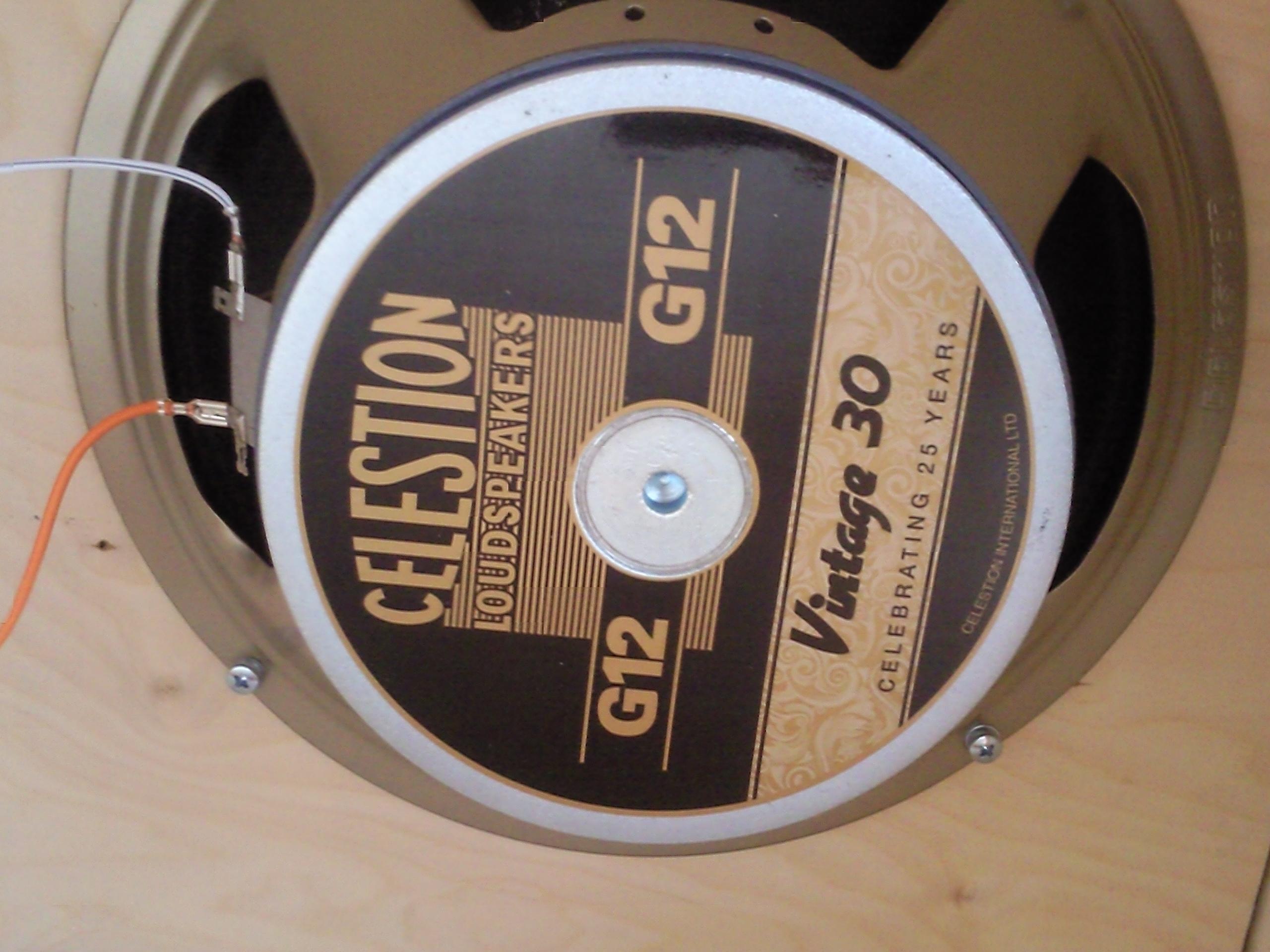 celestion vintage 30 8 ohms image 314698 audiofanzine. Black Bedroom Furniture Sets. Home Design Ideas