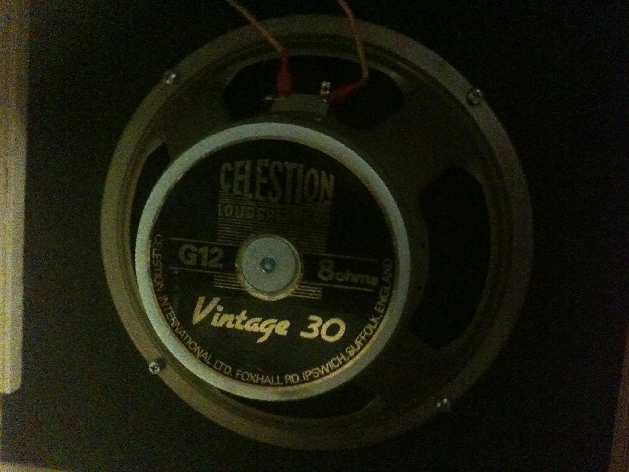 celestion vintage 30 8 ohms image 598532 audiofanzine. Black Bedroom Furniture Sets. Home Design Ideas