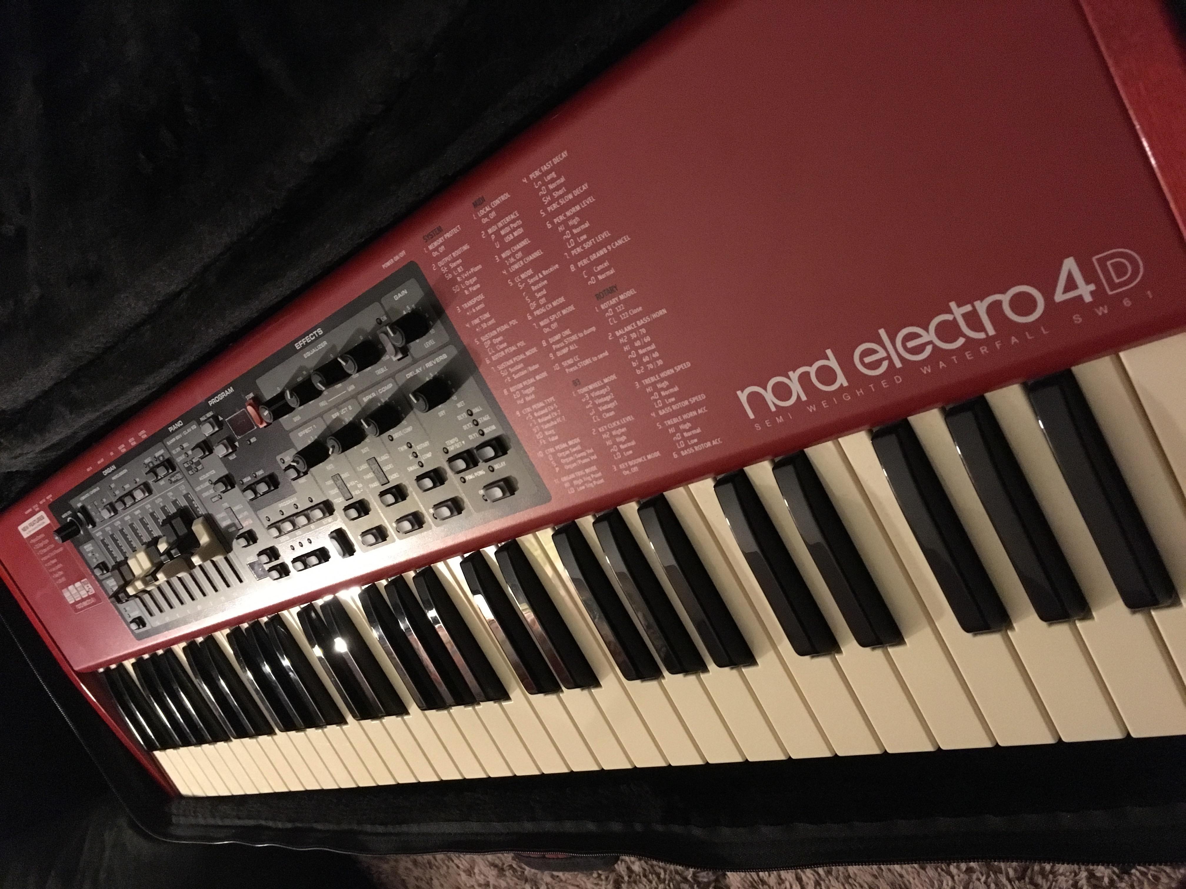 Nord Electro 4d : clavia nord electro 4d bag stand tat neuf ile de france audiofanzine ~ Hamham.info Haus und Dekorationen