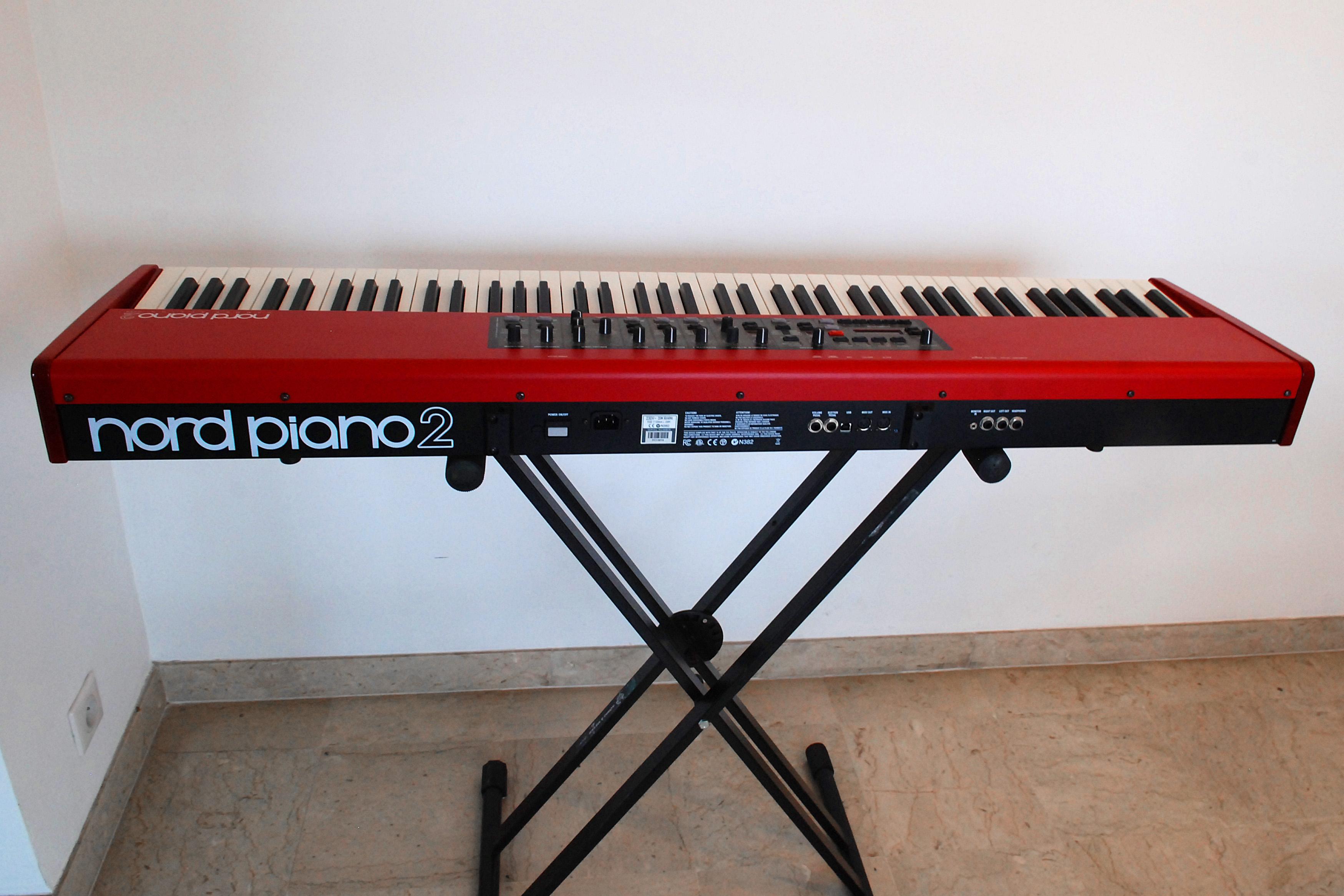 nord piano 2 88 parfait tat avec option flight case. Black Bedroom Furniture Sets. Home Design Ideas