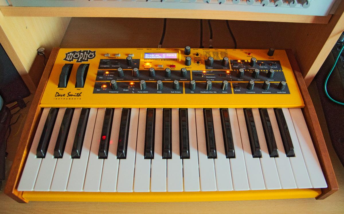 dave smith instruments mopho keyboard image 1153097 audiofanzine. Black Bedroom Furniture Sets. Home Design Ideas