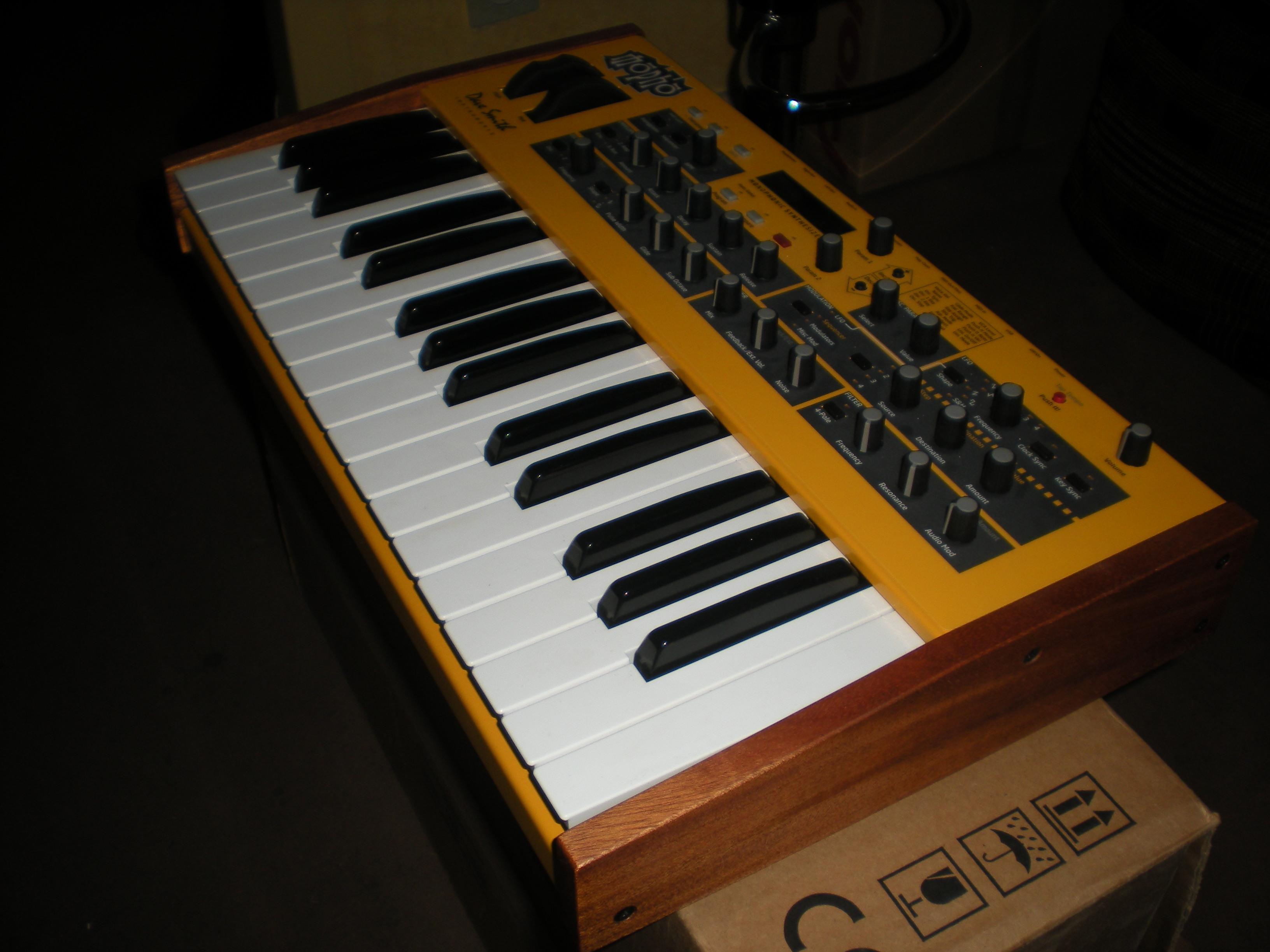 dave smith instruments mopho keyboard image 249319 audiofanzine. Black Bedroom Furniture Sets. Home Design Ideas