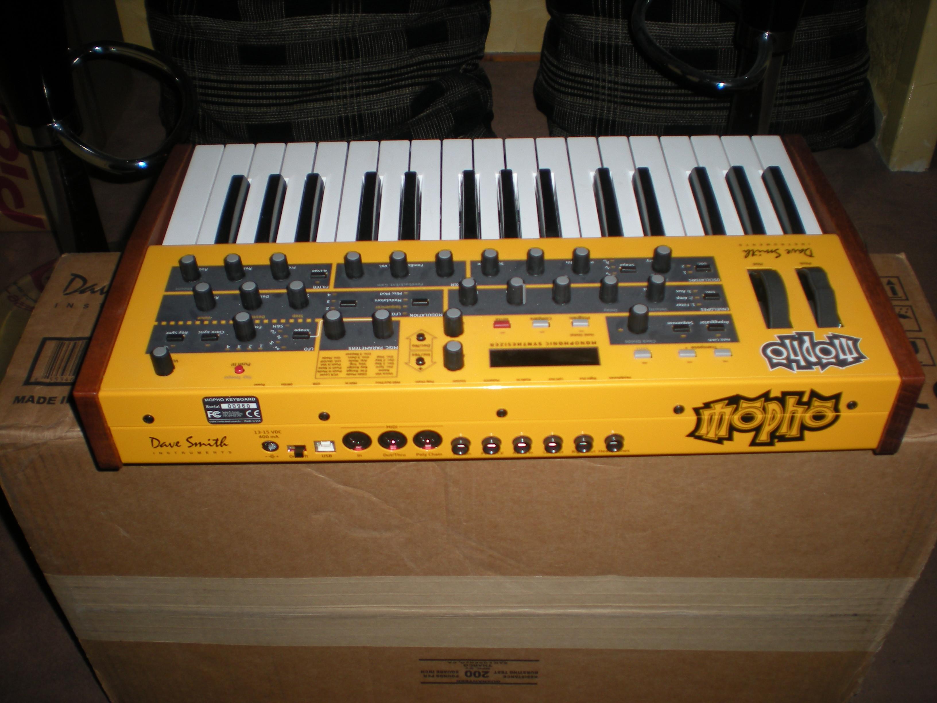 dave smith instruments mopho keyboard image 249321 audiofanzine. Black Bedroom Furniture Sets. Home Design Ideas