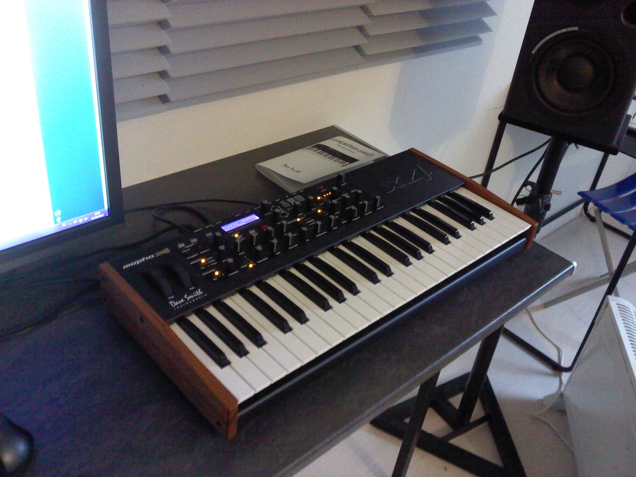 dave smith instruments mopho x4 image 592443 audiofanzine. Black Bedroom Furniture Sets. Home Design Ideas