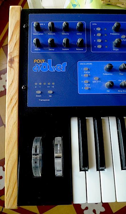 Flancs de synthétiseurs et autres ... Dave-smith-instruments-polyevolver-keyboard-1535254