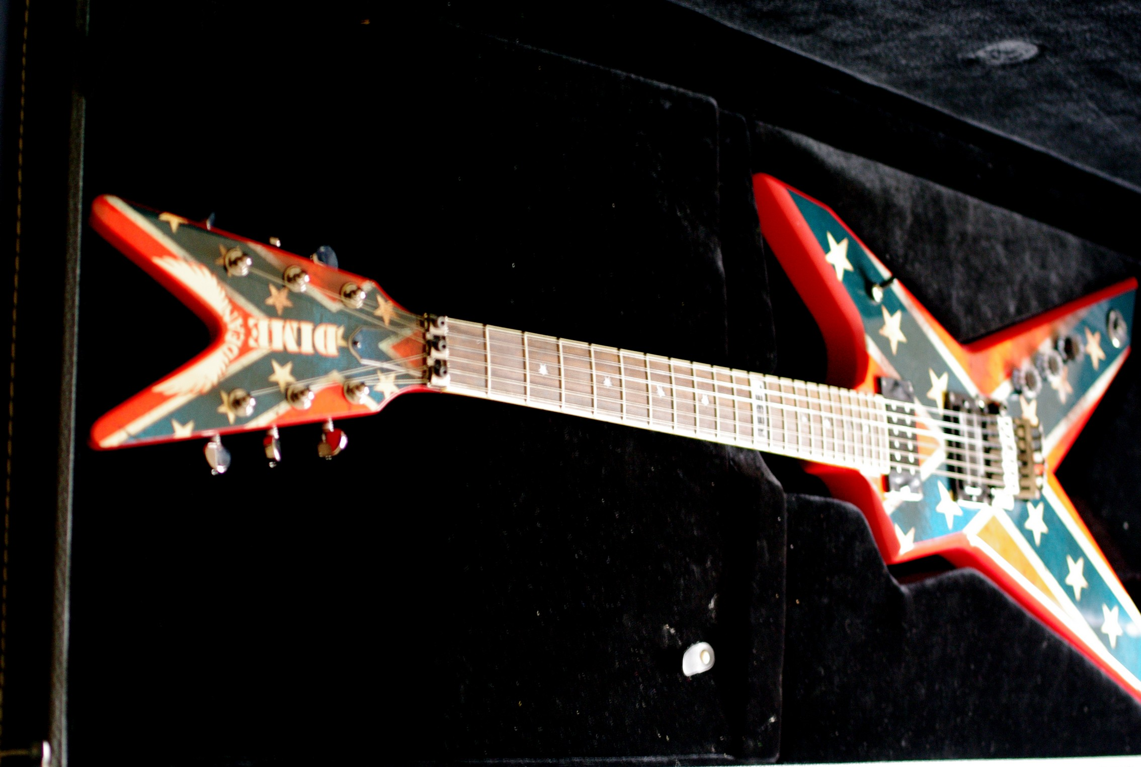 dean guitars dimebag dixie rebel image 562903 audiofanzine. Black Bedroom Furniture Sets. Home Design Ideas