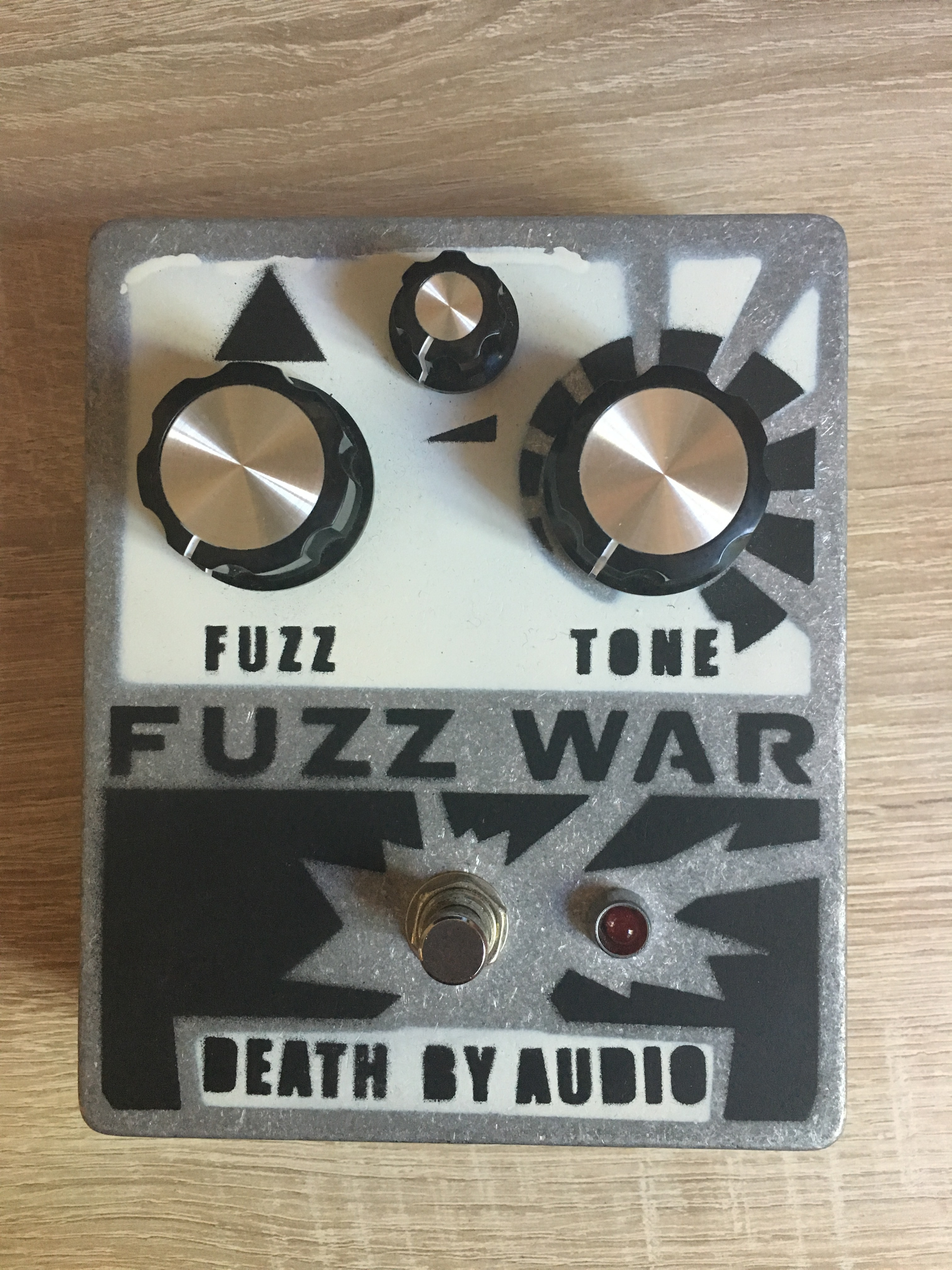 death by audio fuzz war image 1455369 audiofanzine. Black Bedroom Furniture Sets. Home Design Ideas