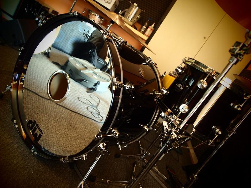 dw drums performance series image 271813 audiofanzine. Black Bedroom Furniture Sets. Home Design Ideas