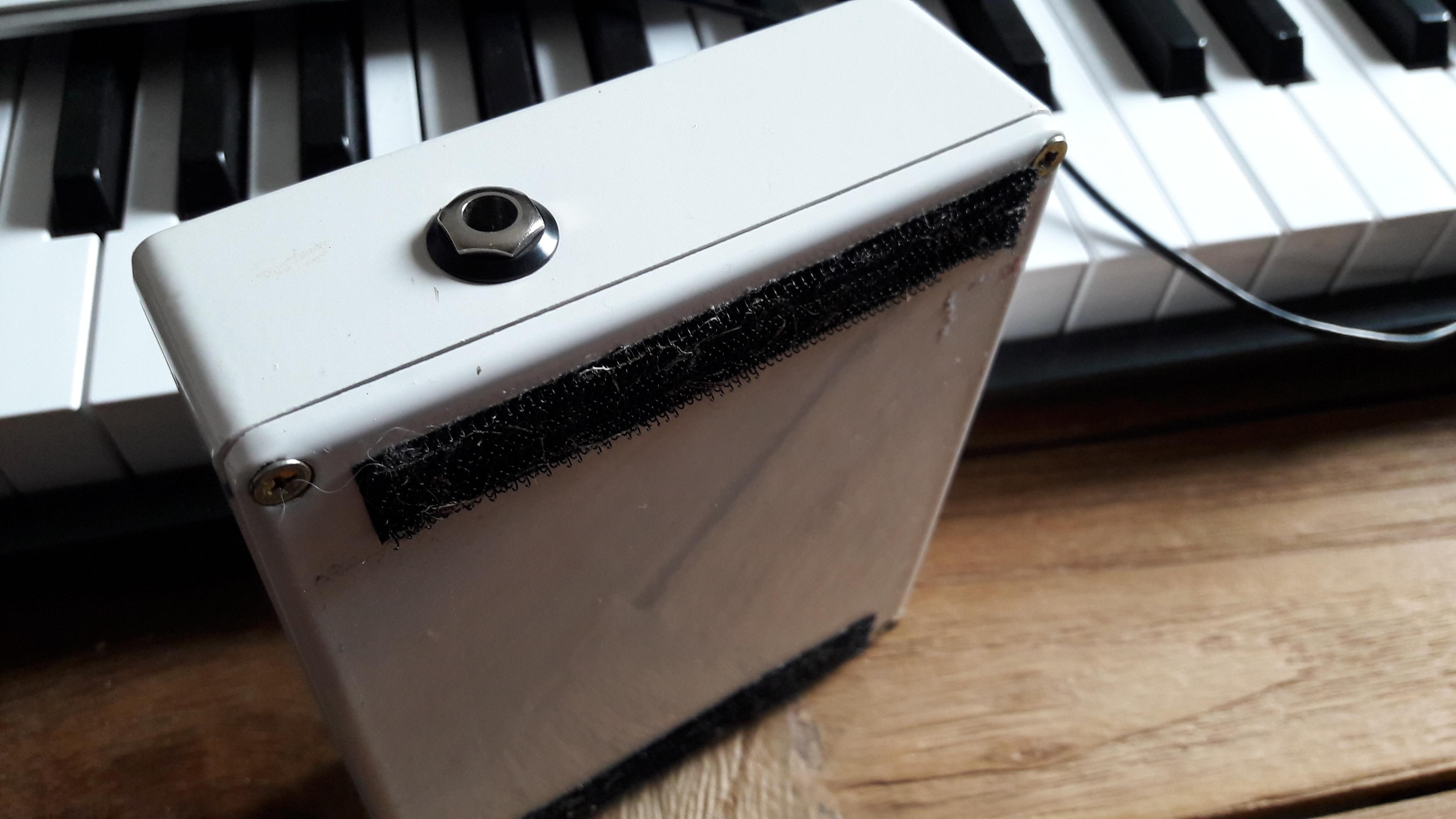 electro harmonix bass micro synth image 1747118 audiofanzine. Black Bedroom Furniture Sets. Home Design Ideas