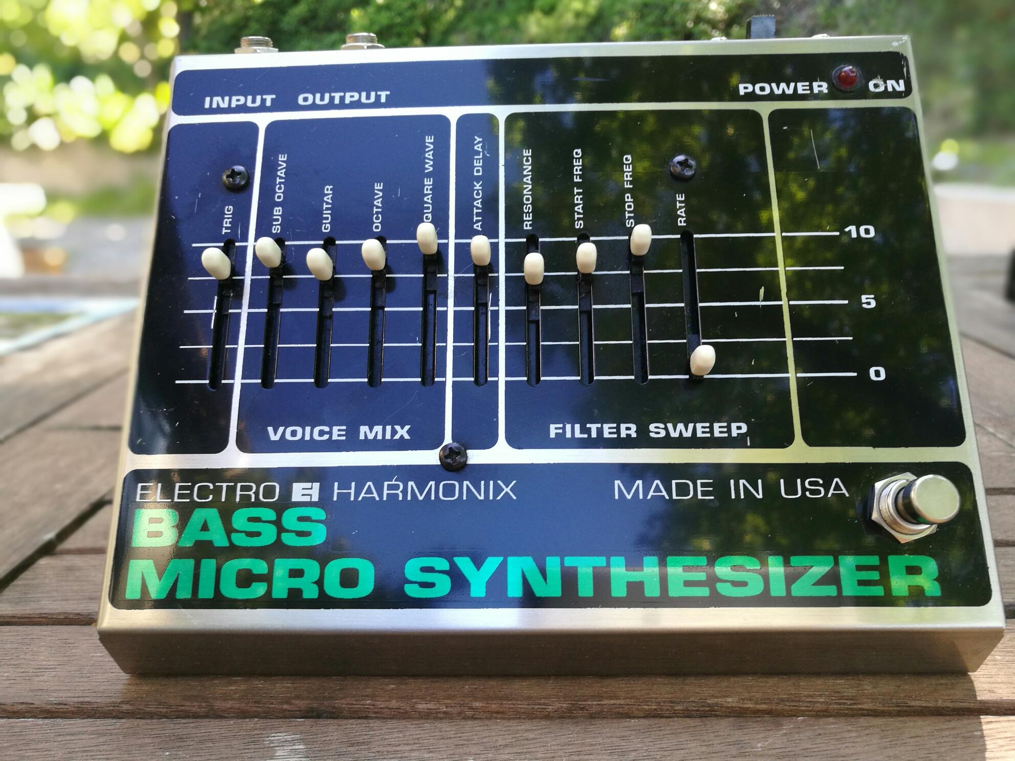 electro harmonix bass micro synth image 1760763 audiofanzine. Black Bedroom Furniture Sets. Home Design Ideas